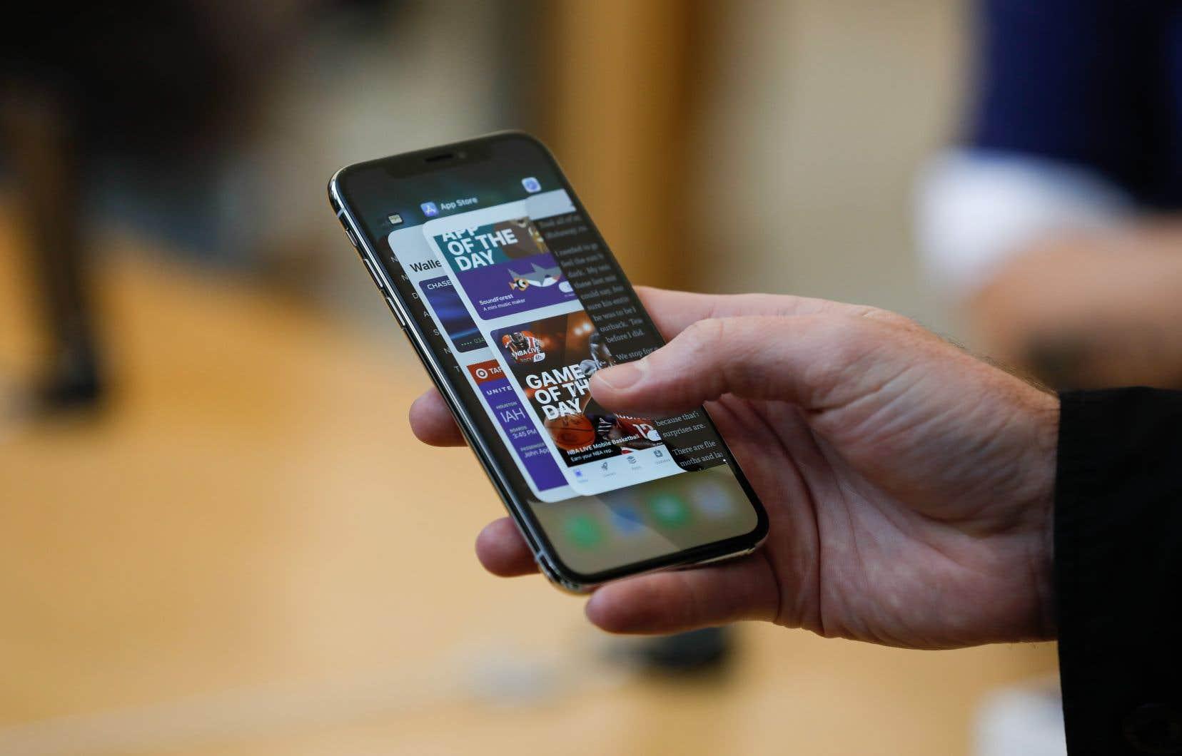 Apple s'attendait à ce que les consommateurs adoptent l'iPhone X, mais il semble que les partisans de la marque ne se soient pas montrés aussi impressionnés que prévu.