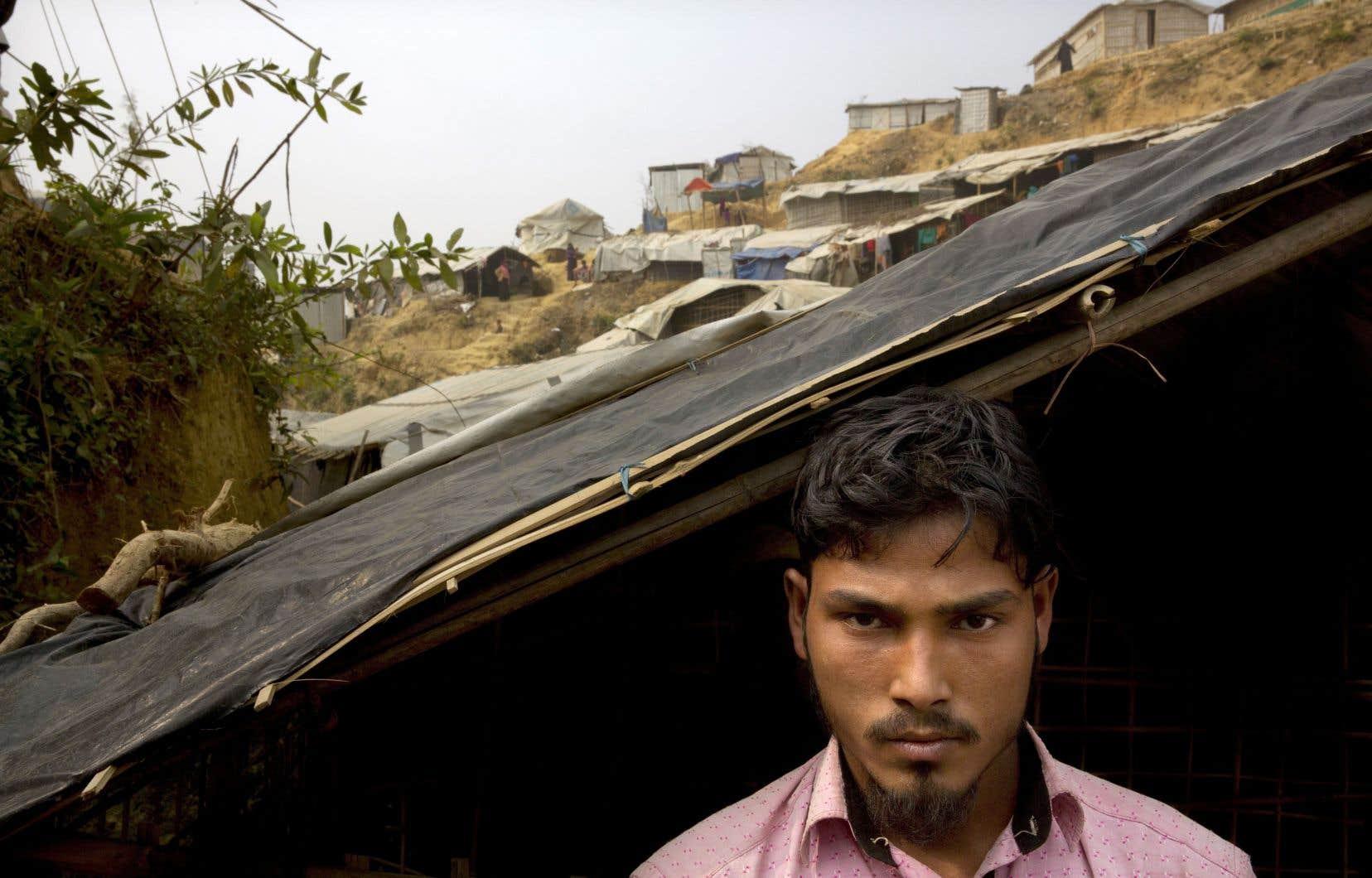 Le réfugié rohingya Mohammad Lalmia est originaire du village Gu Dar Pyin. Comme d'autres villageois, il a vu plusieurs cadavres.