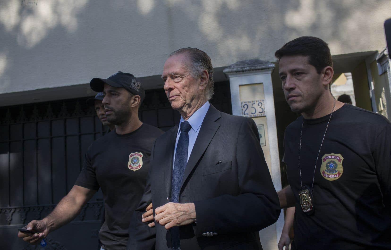 Carlos Nuzman a été interpelé à la suite d'accusations de corruption.