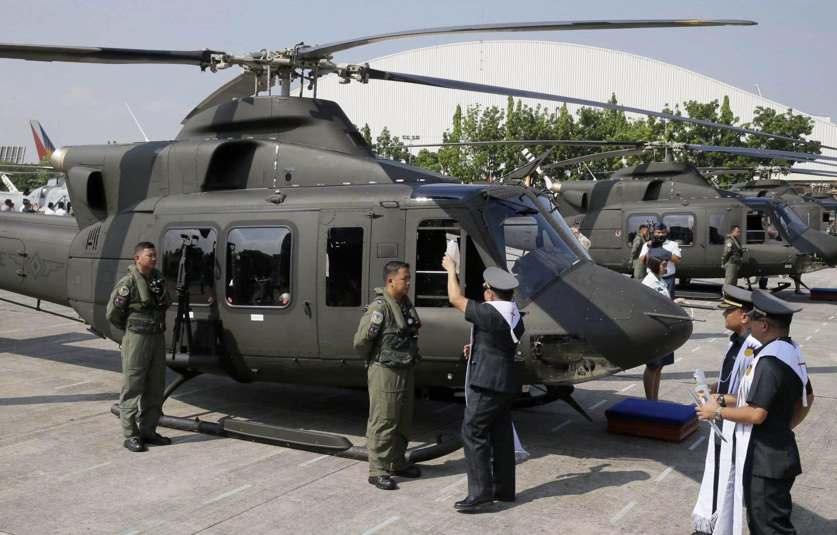 Selon Jean-Christophe Boucher, professeur à l'Université MacEwan en Alberta et spécialiste du matériel militaire, les hélicoptères Bell 412 peuvent facilement être équipés pour la guerre.