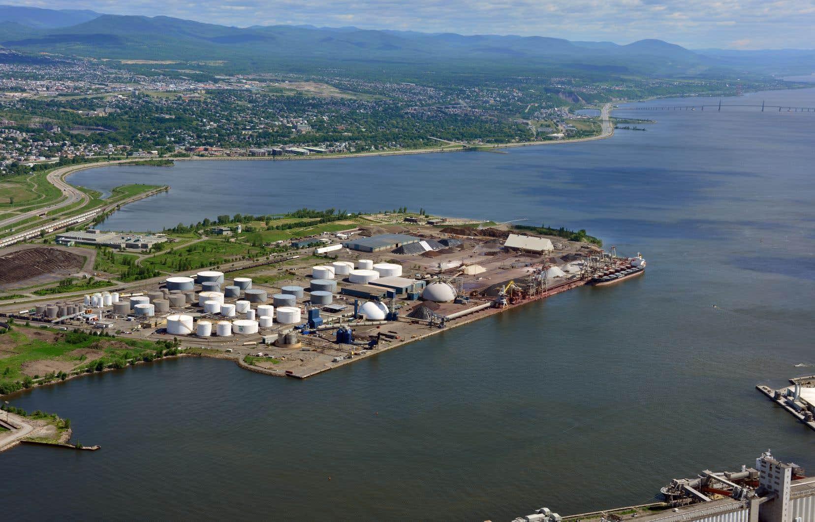 Le projet d'expansion du Port de Québec fait partie de ceux qui seront évalués selon les règles antérieures.