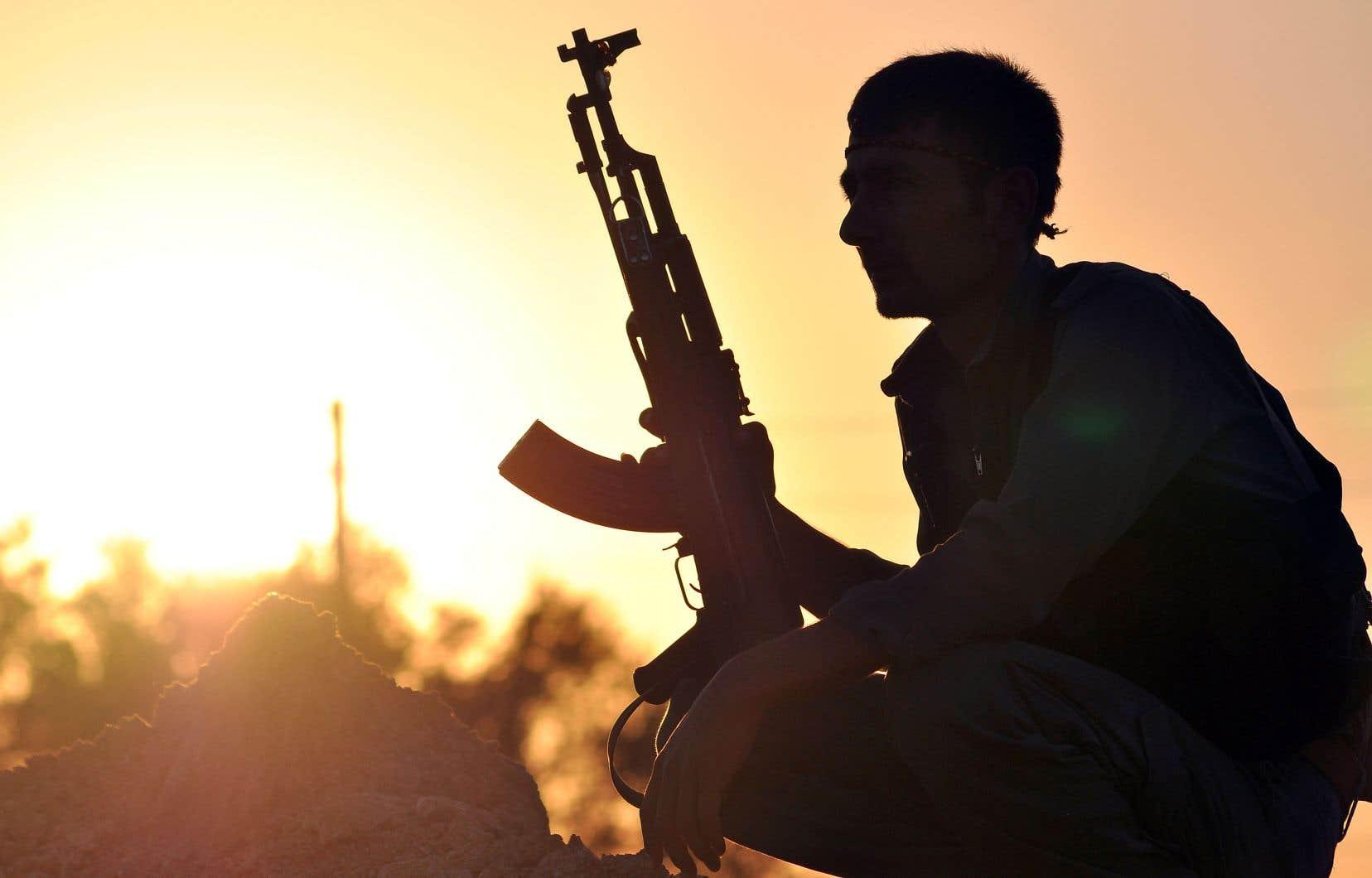 En plus d'être le conflit militaire le plus significatif de notre décennie, la guerre en Syrie est aussi un moment charnière des relations internationales, souligne l'auteur.