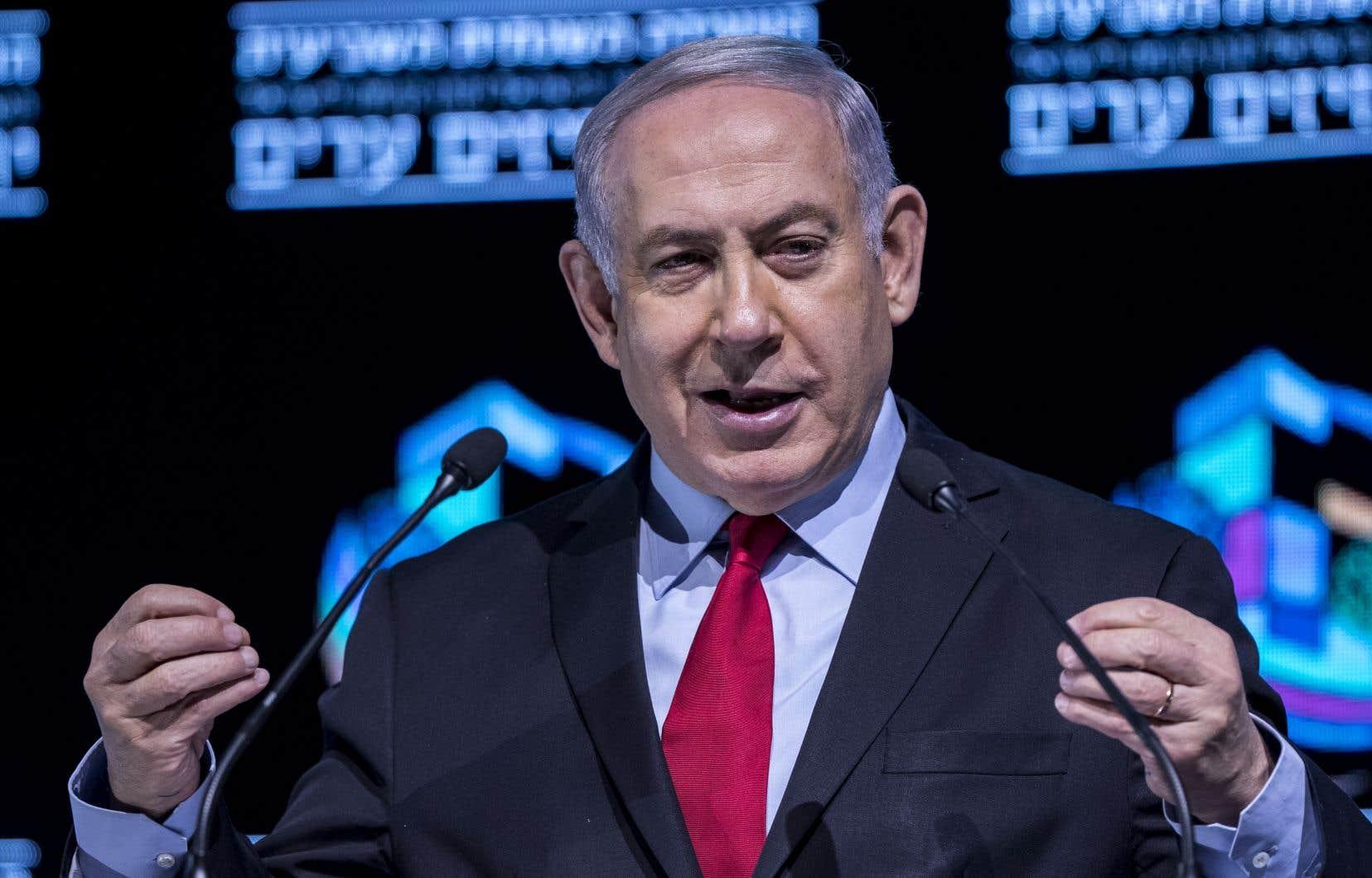 À ce jour, Nétanyahou a résisté aux tentatives des partis de droite/extrême droite, dont son parti, de faire voter des lois visant l'annexion de ou des colonies de Cisjordanie.