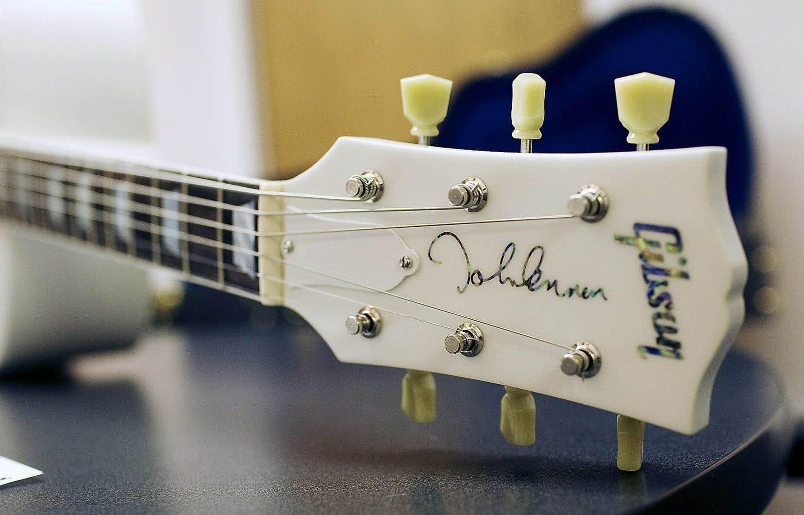 En 2010, Gibson a fabriqué 70 modèles de guitares blanches «Imagine» afin d'honorer ce qui aurait été le 70e anniversaire de John Lennon.