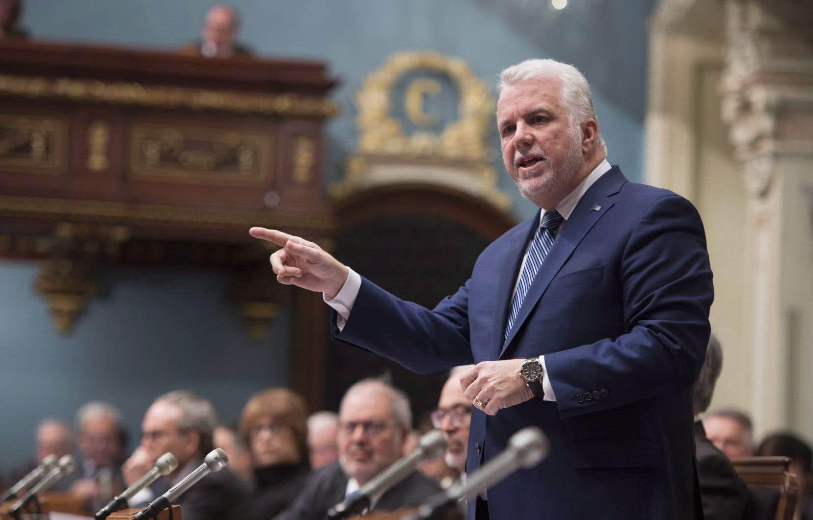Le premier ministre Philippe Couillard ne s'offusque pas du processus décisionnel de la FMSQ, qui a confié à une assemblée de 130 délégués le mandat d'entériner l'entente.