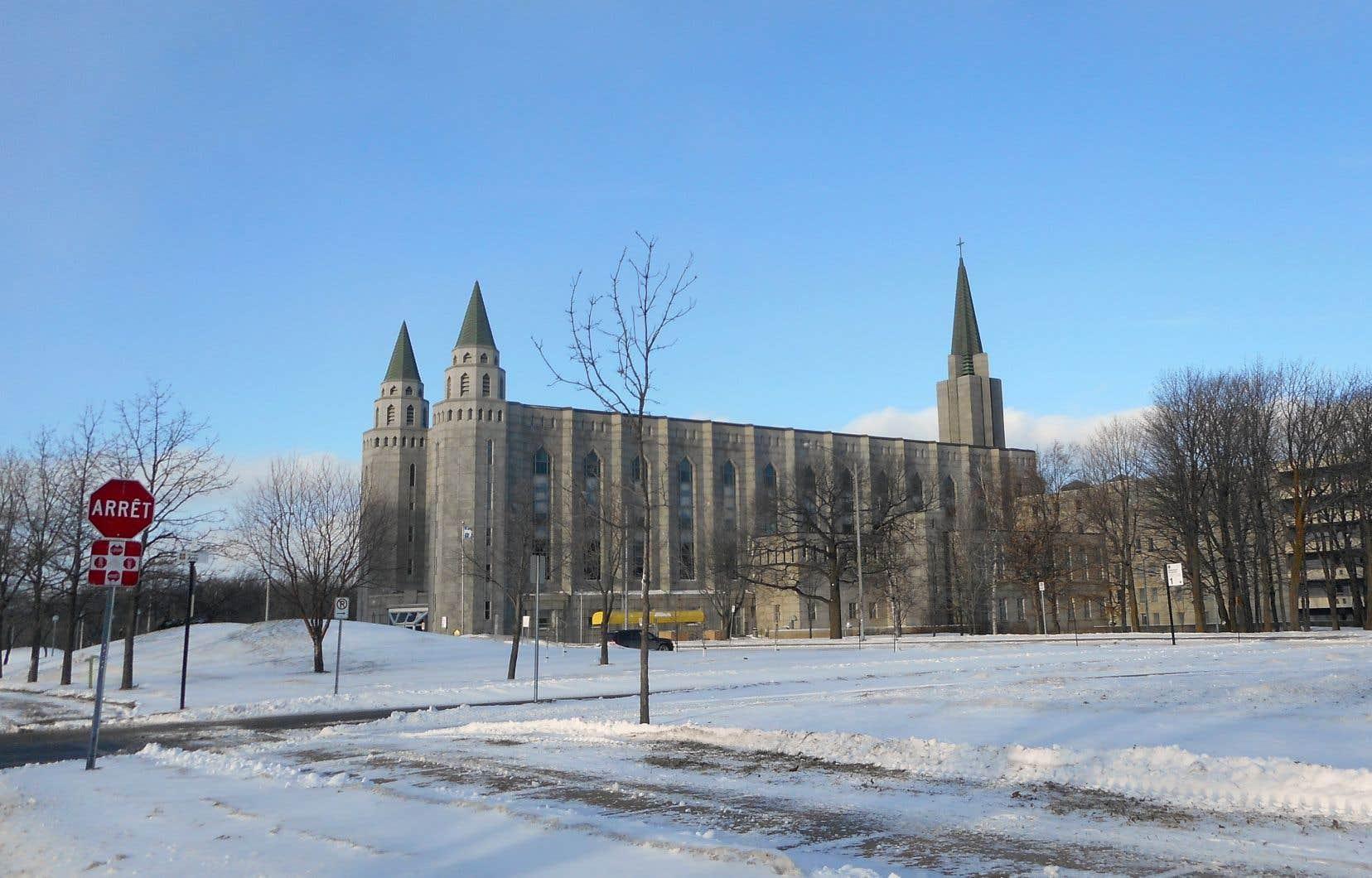Pavillon Louis-Jacques-Casault, Université Laval