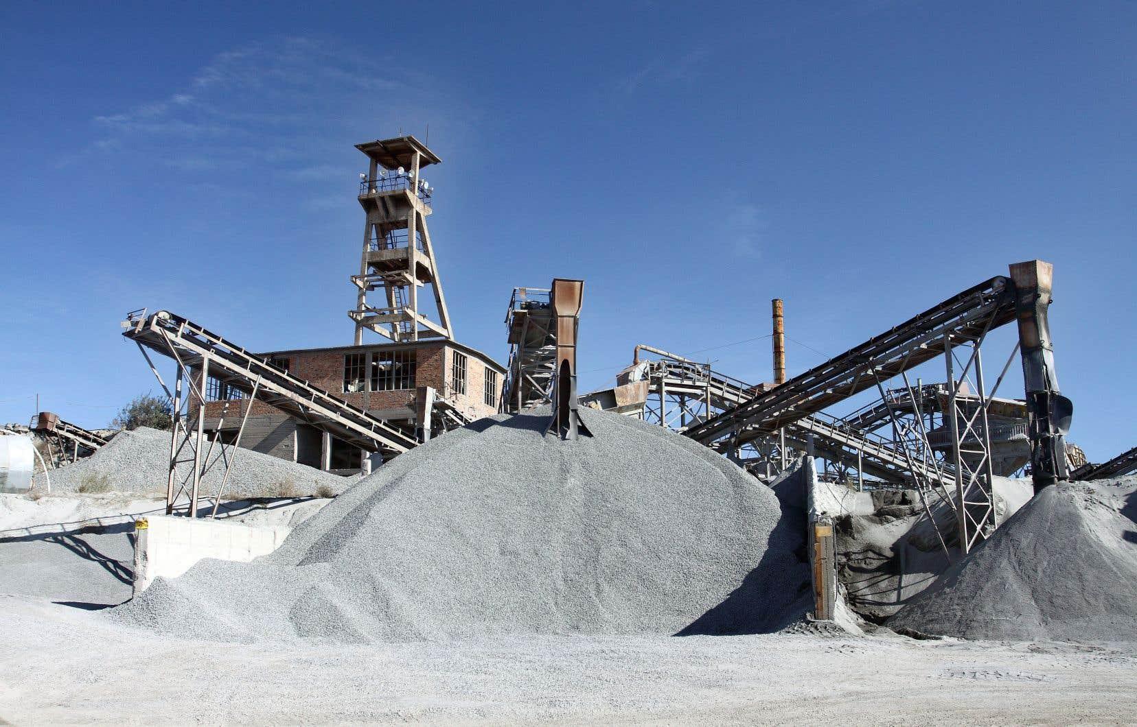 L'Université Concordia souhaite travailler avec l'industrie du ciment afin de mettre au point une technologie susceptible de convertir son CO2 en hydrocarbures, à grande échelle, et sans que cela augmente l'empreinte carbone au moment de leur combustion.