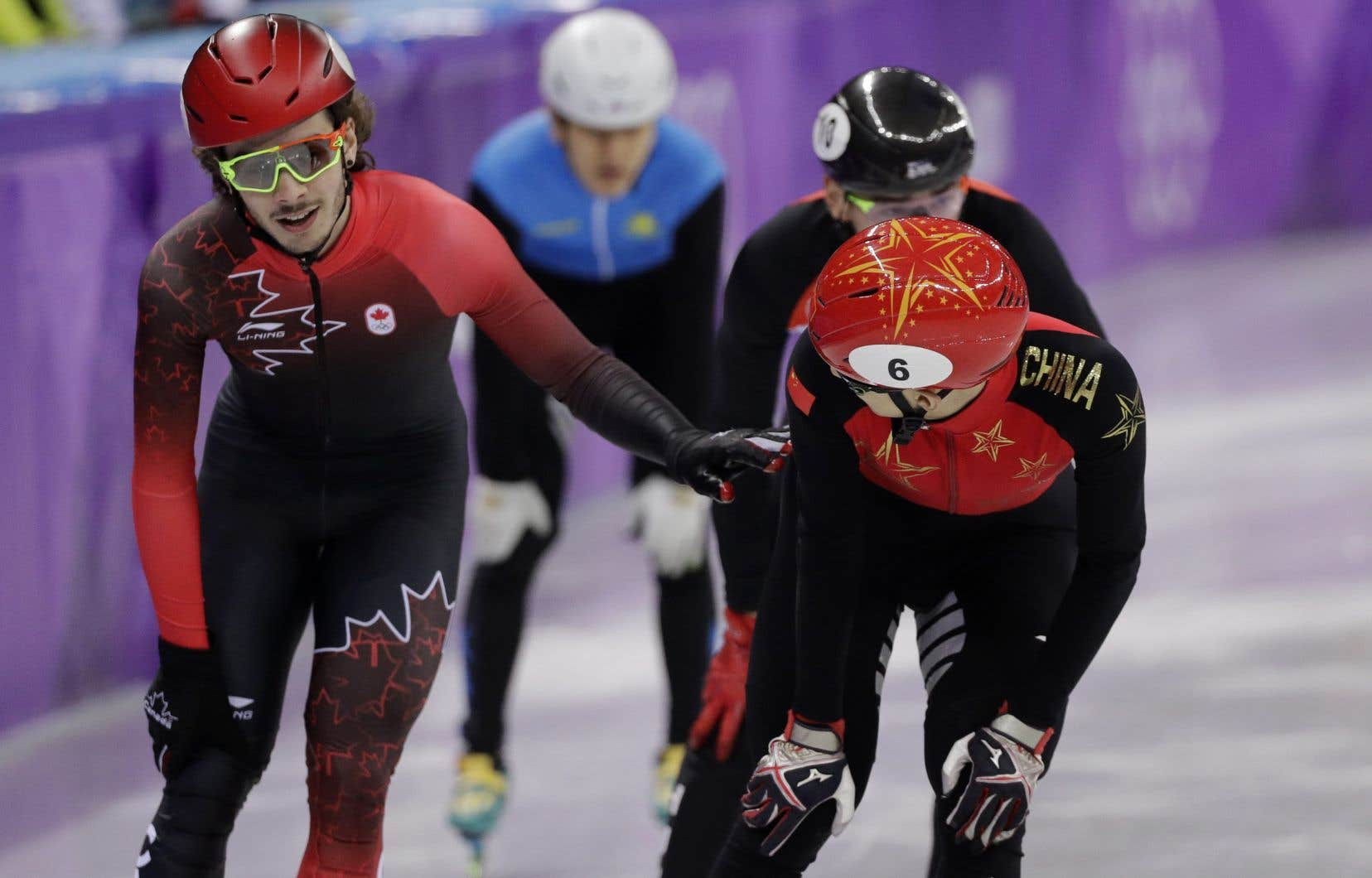 Le Canada décroche le bronze au relais masculin — Patinage de vitesse
