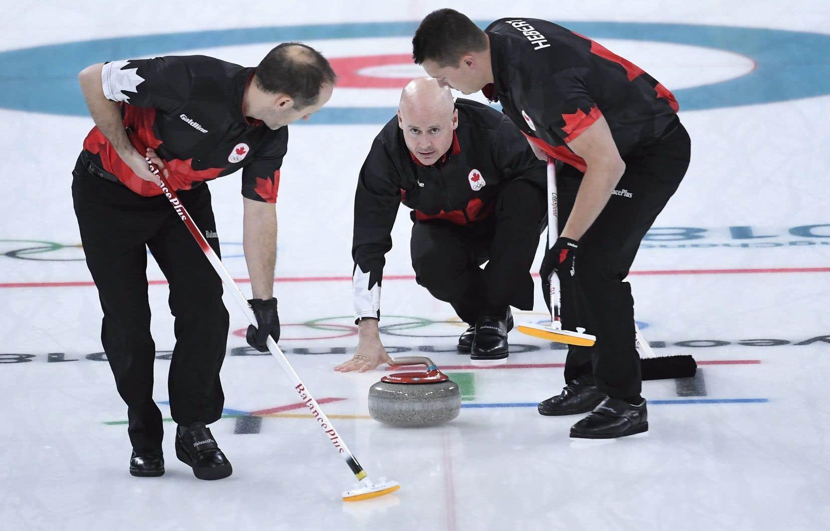 La Suisse bat le Canada pour le bronze — Curling