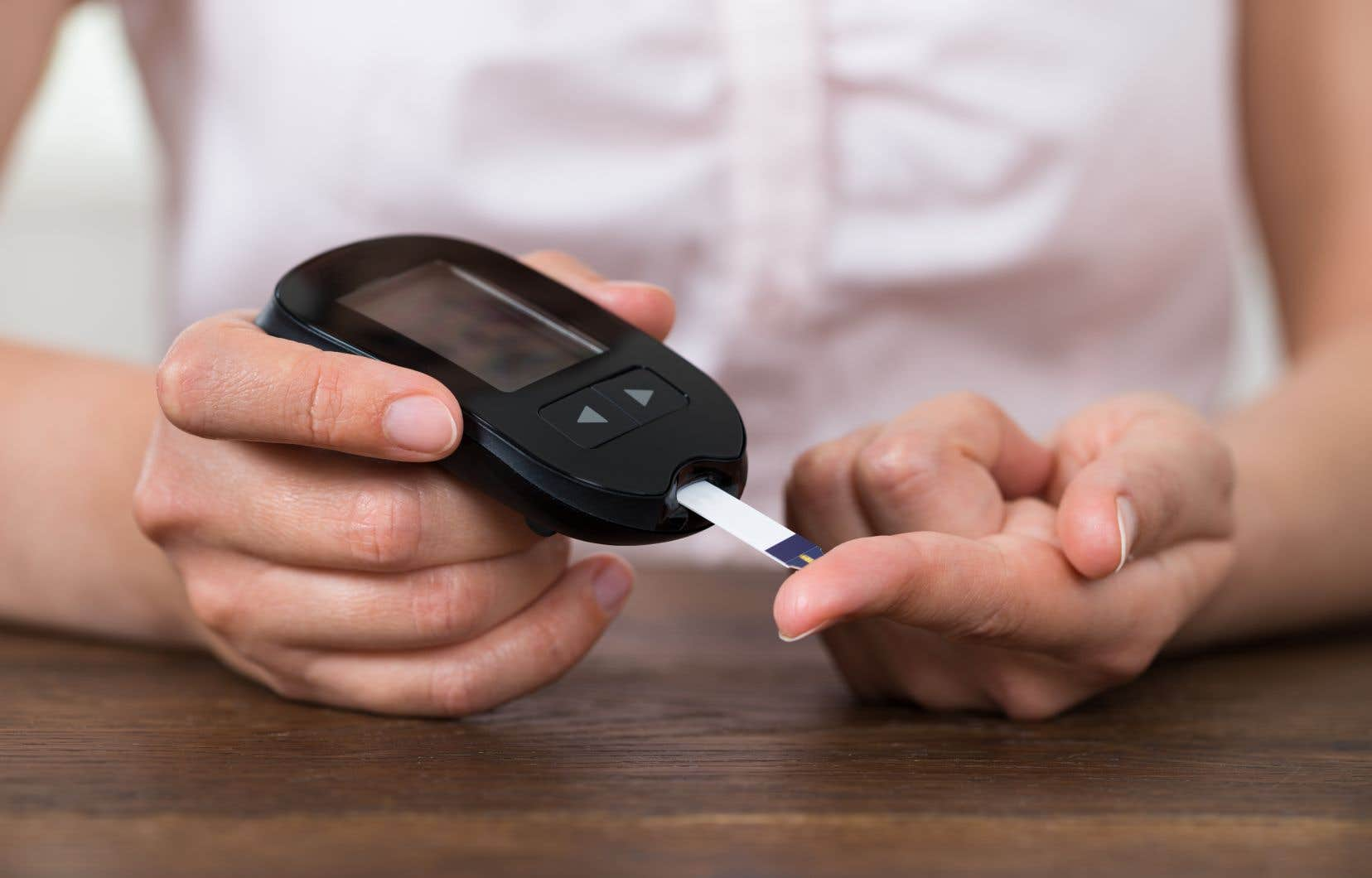 Selon une étude clinique, chez les patients diabétiques ayant suivi l'alimentation cétogène et qui prenaient de l'insuline, 40% l'avaient cessée et les autres avaient réduit leur dose quotidienne de moitié en moyenne après un an.