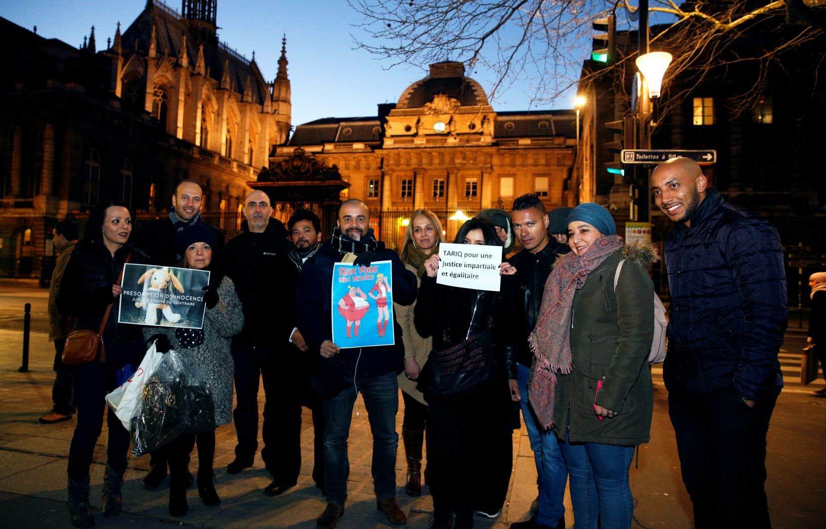 Le maintien en détention en France de l'islamologue suisse controversé Tariq Ramadan est la cible d'une campagne de protestation très active dans les milieux de l'islam militant.
