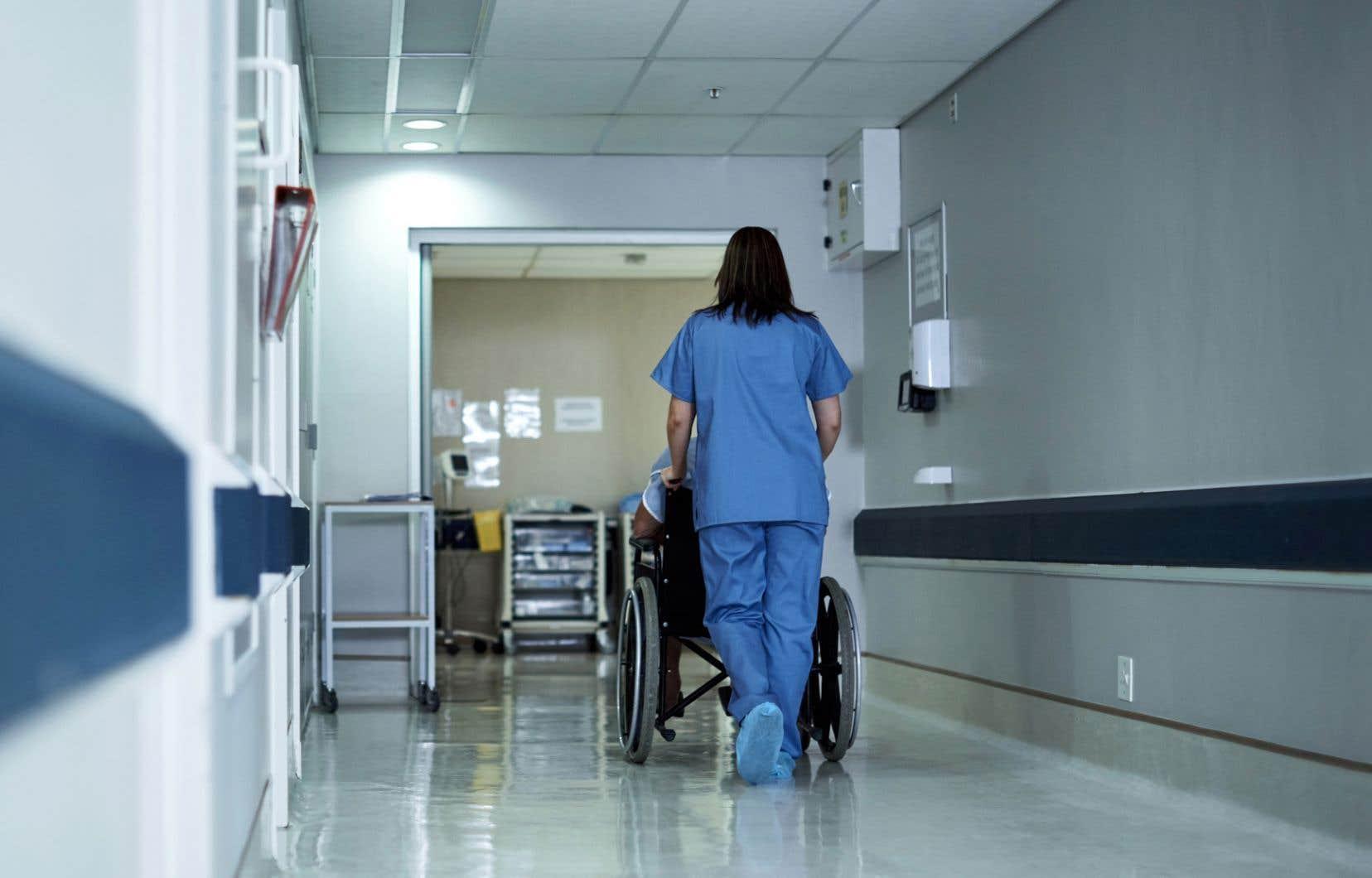 Il y a moyen de mieux redistribuer les ressources du système de santé, plaident les signataires d'une nouvelle lettre ouverte.