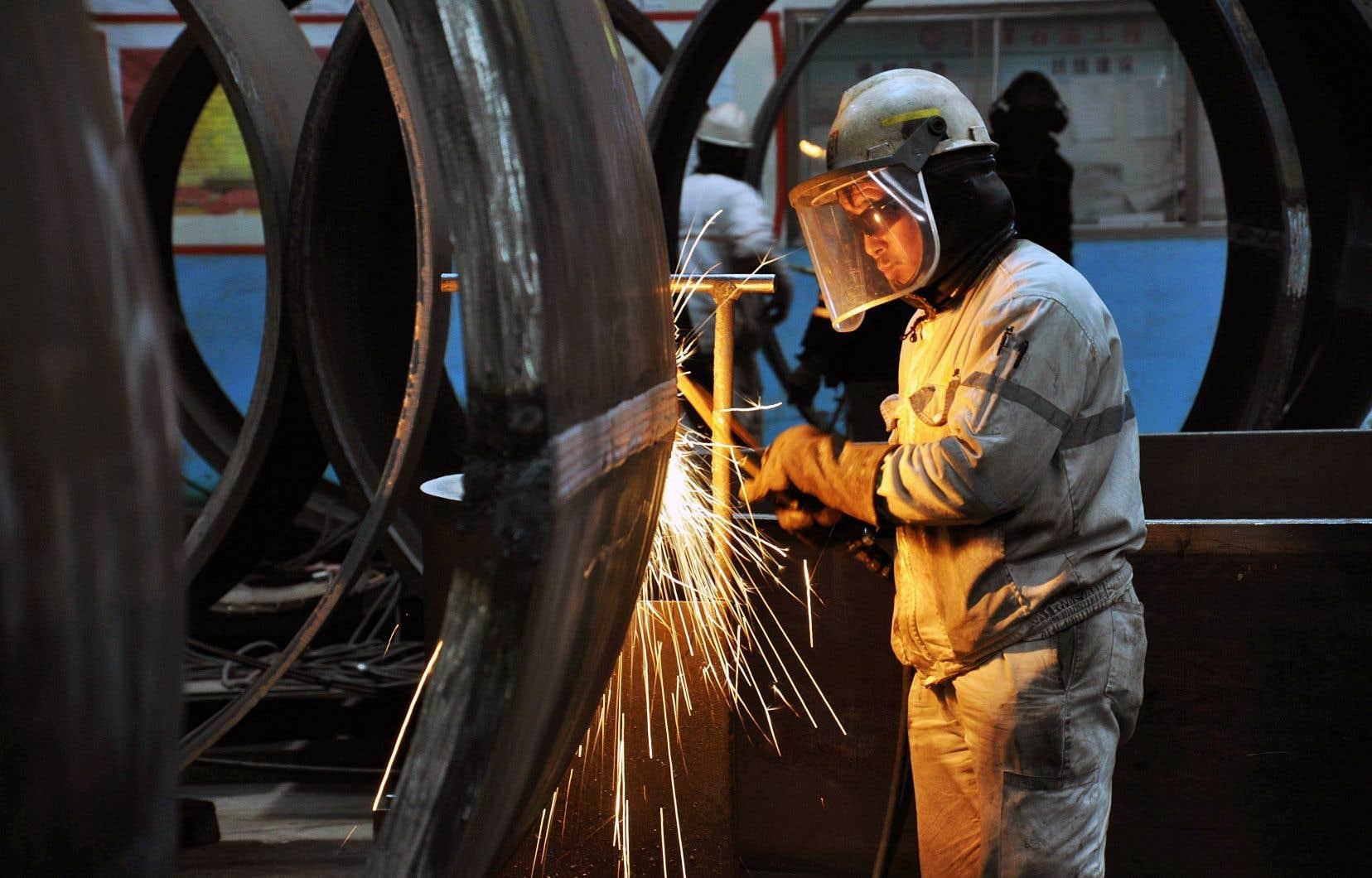 Selon certains médias, le président américain préférait imposer des tarifs les plus larges possible aux importations d'acier et d'aluminium.