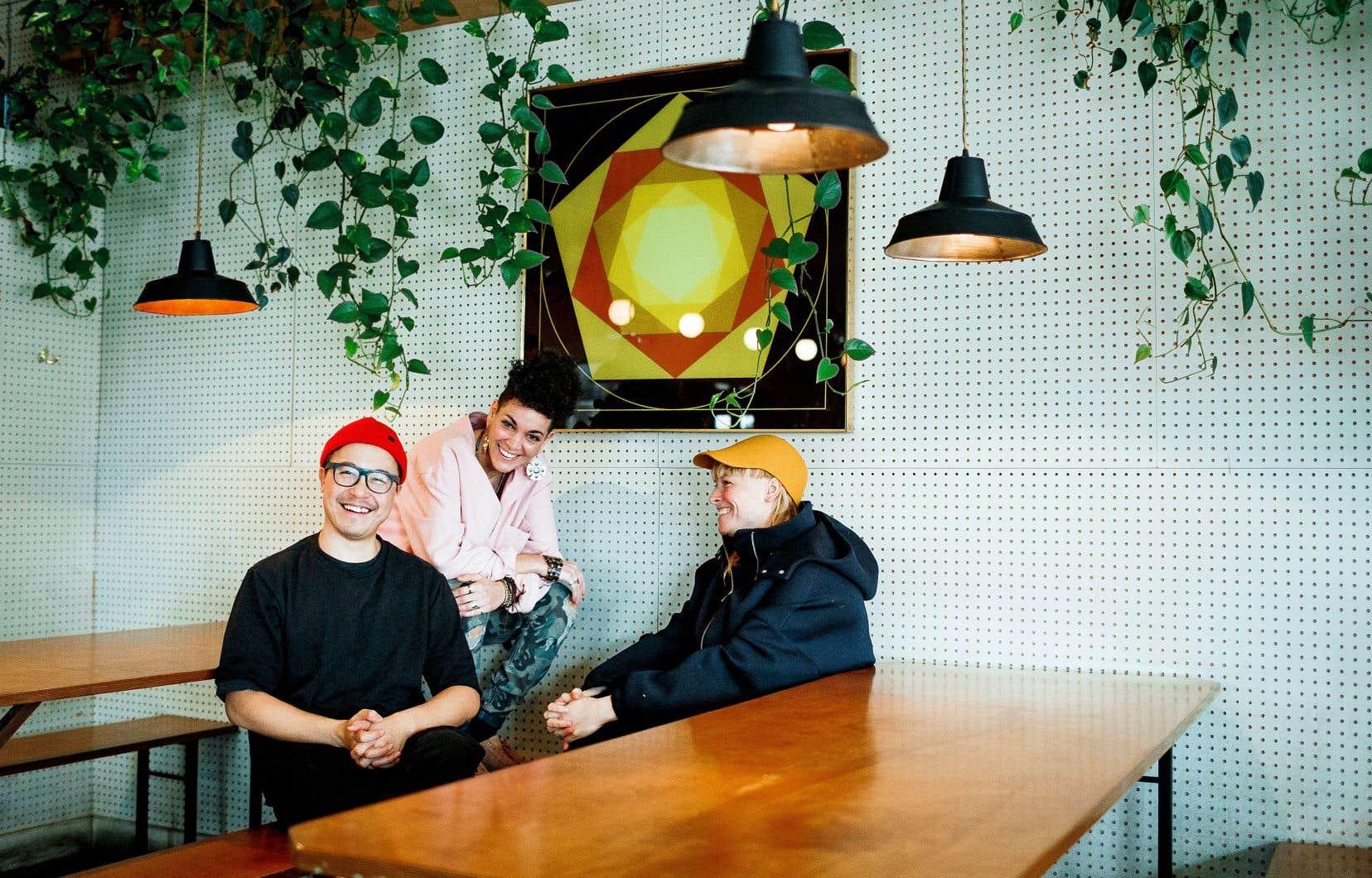 Liu-Kong Ha, Fab et Frannie Holder ont passé beaucoup de temps autour d'une table, à se questionner, pour accoucher de «Distractions».