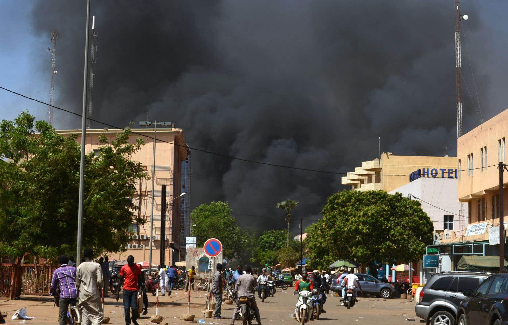 Au total, plus de 80 personnes ont été blessées dans les attaques de Ouagadougou, selon une source sécuritaire proche de l'état-major.