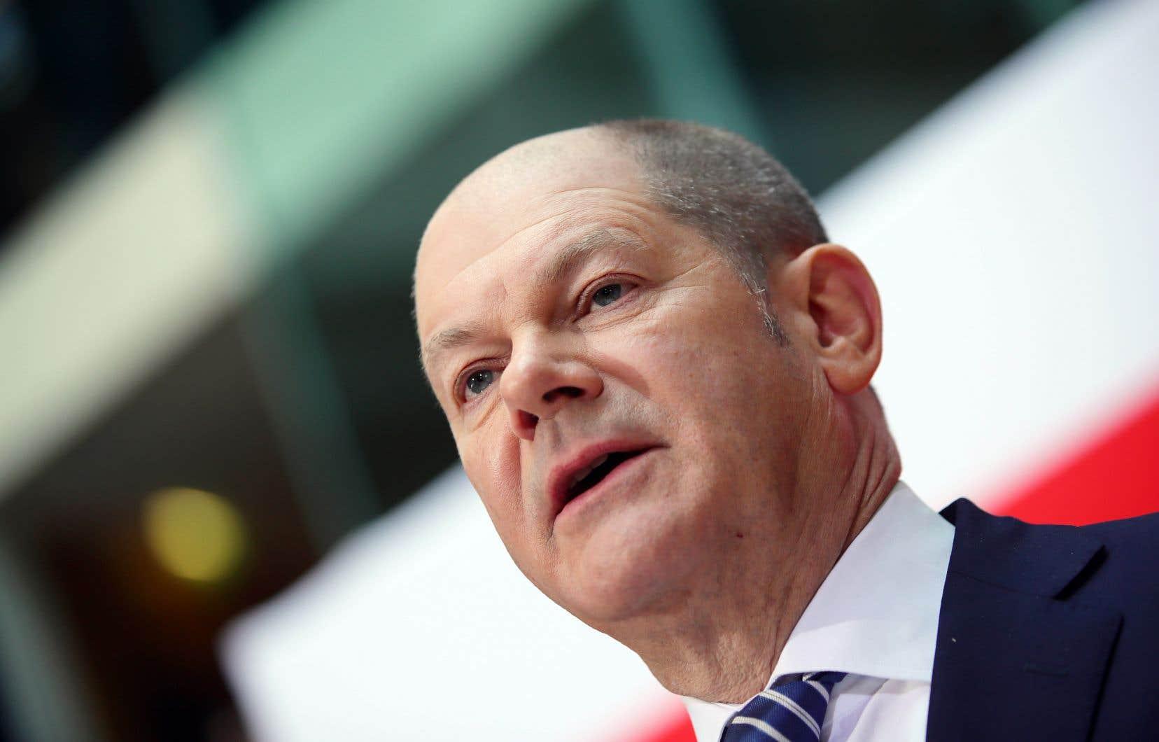 Le chef intérimaire des sociaux-démocrates, Olaf Scholz, en point de presse dimanche