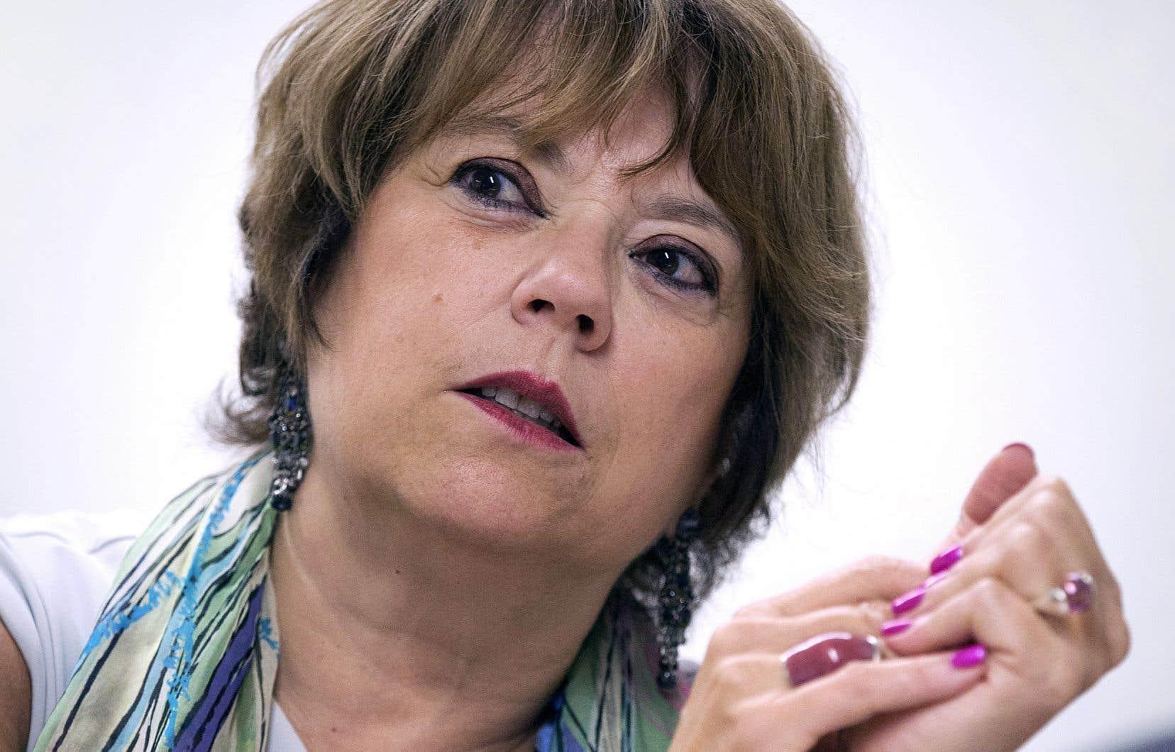 Ce n'est pas à l'État de dire aux femmes combien d'enfants elles devraient avoir, estime la ministre Hélène David.