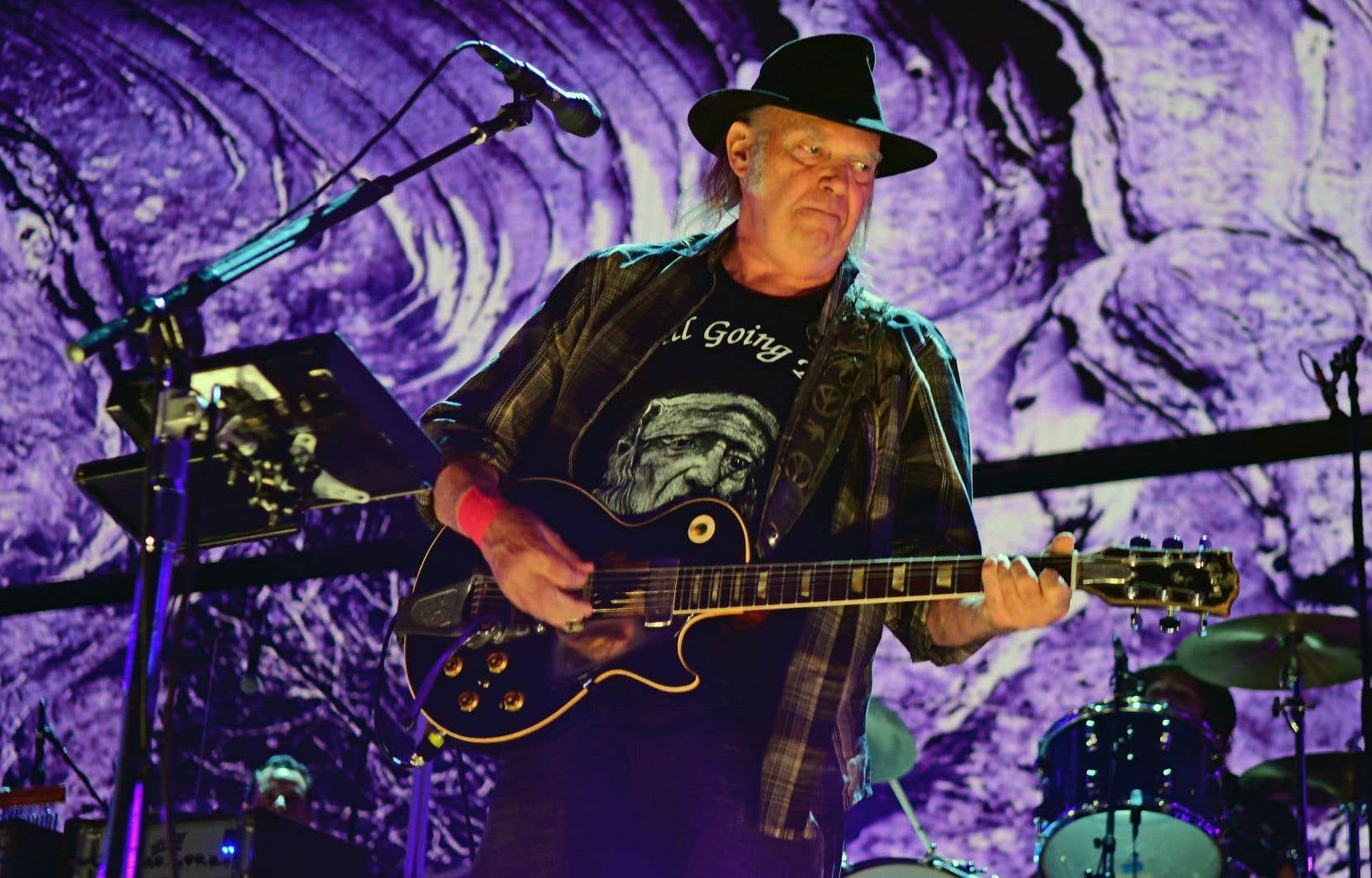 Neil Young en spectacle en Pennsylvanie en septembre 2017. Le dernier concert de ce géant du folk remonte au 1erdécembre 2017, en Ontario.