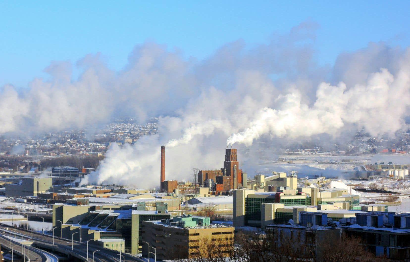 Le gouvernement du Québec s'est engagé à réduire de 20% les émissions de gaz à effet de serre (GES) de la province d'ici 2020 par rapport au niveau de 1990.
