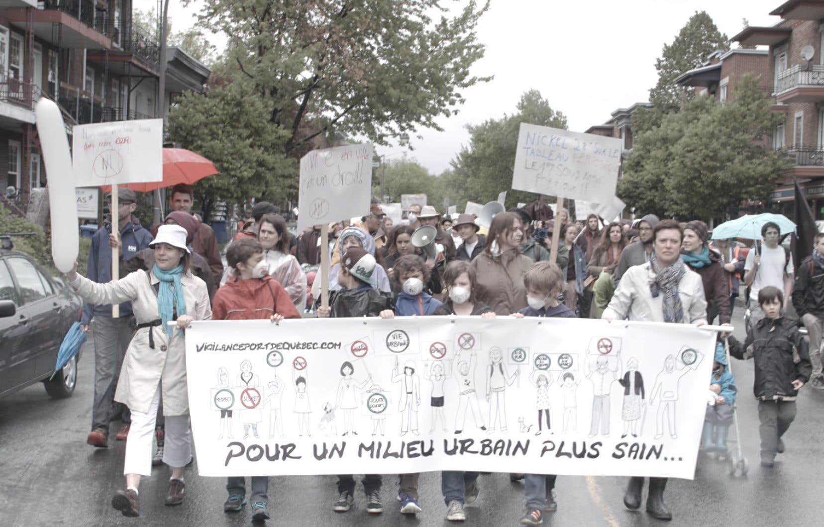 Le documentaire suit le chemin sinueux parcouru par le couple Lalande-Duchesne, allant de la marche organisée avec l'énergie de l'indignation avec les citoyens du quartier à la longue lutte judiciaire.