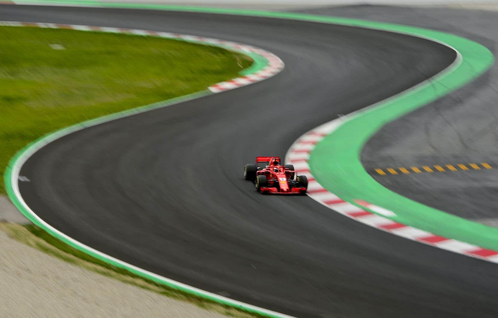 Au volant de sa Ferrari, Vettel a réalisé un tour de piste de 1 min 17 s 182.
