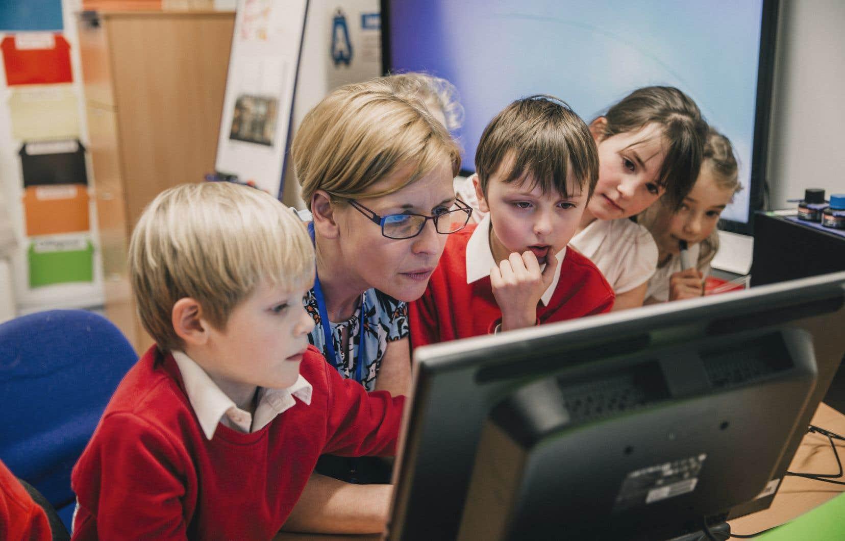 La grande majorité des directions d'école sont, au fil des ans, devenues des gestionnaires plutôt que des leaders pédagogiques, comme on le souhaiterait pour une institution vouée à l'éducation des enfants, se désole l'auteure.