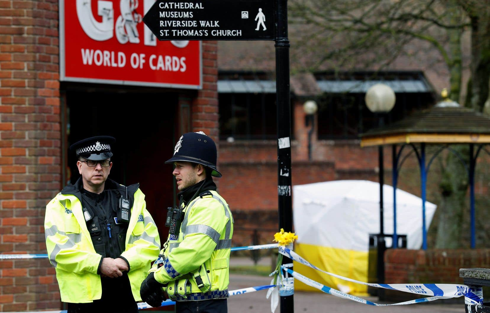 À Salisbury, une contamination a été constatée dans deux endroits où se sont rendus l'ex-agent double et sa fille.