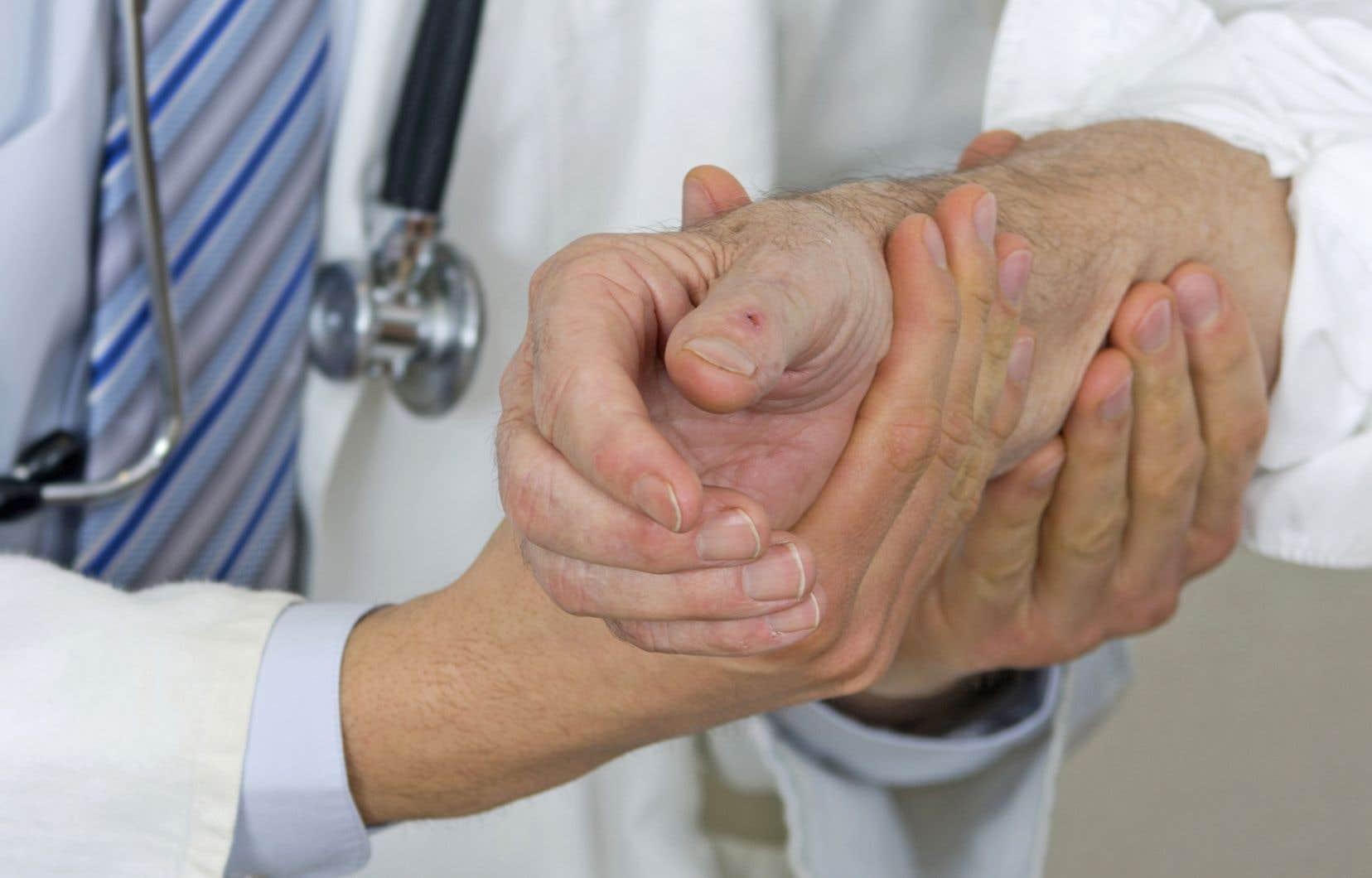 Les 3600 médecins résidents veulent renouveler leur entente collective, échue depuis trois ans.