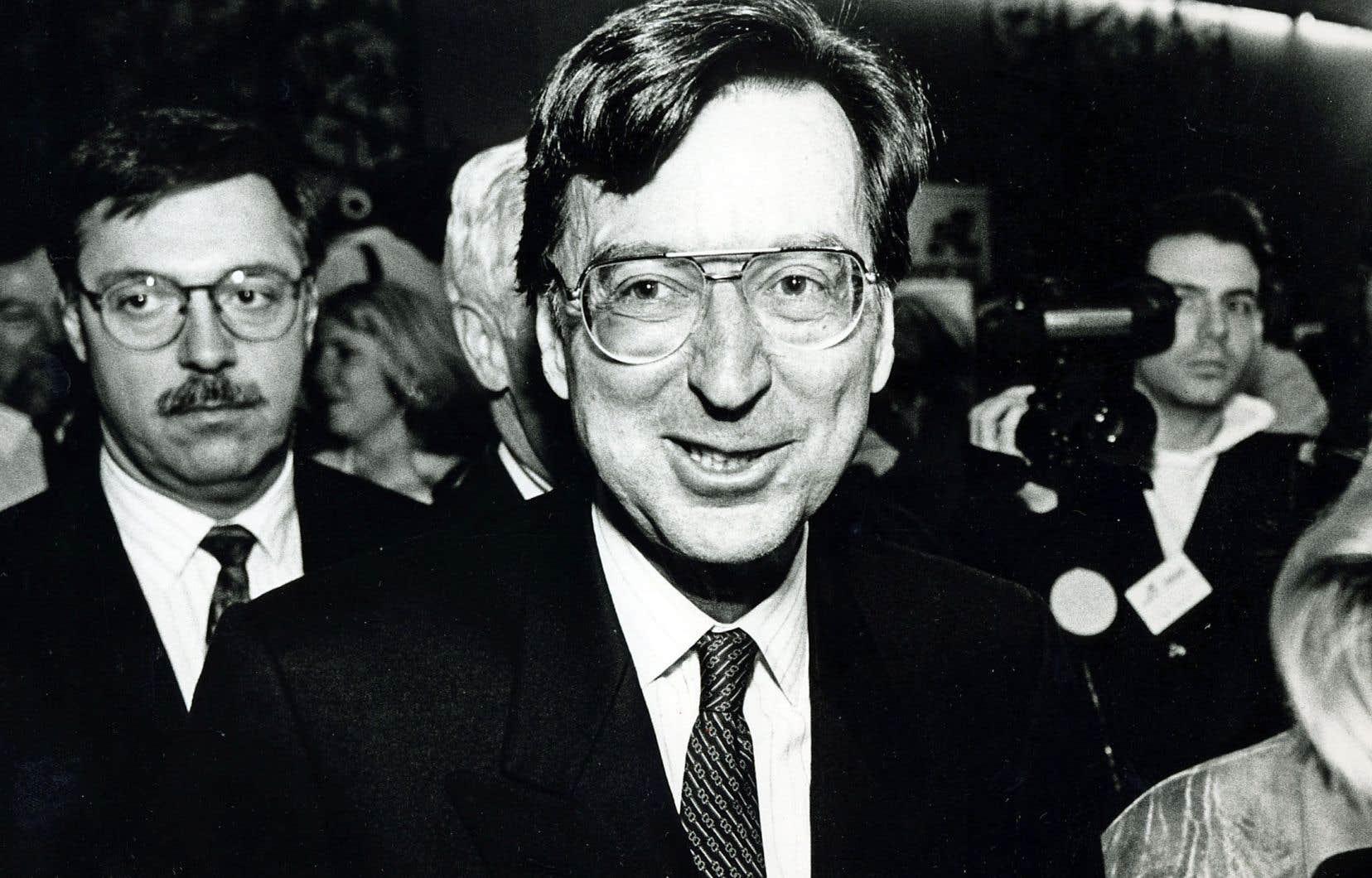 Au cours des premiers mois de l'année 1993, tandis que le premier ministre Robert Bourassa combattait un cancer, ses ministres exploraient différentes avenues pour éviter une décote par les agences de notation.