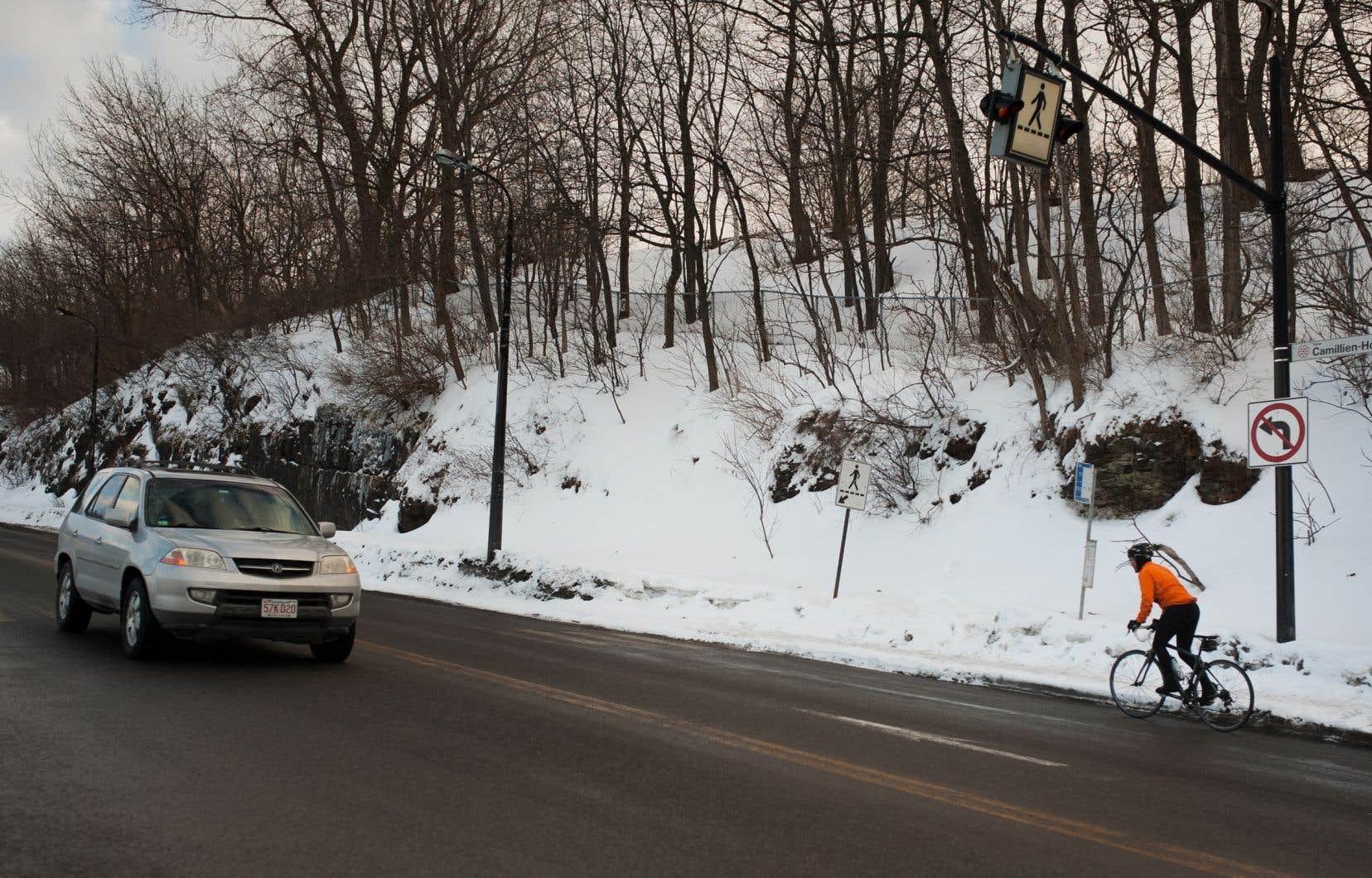 Les automobilistes pourront continuer de se rendre sur le mont Royal en voiture, mais il leur sera interdit de traverser la montagne.