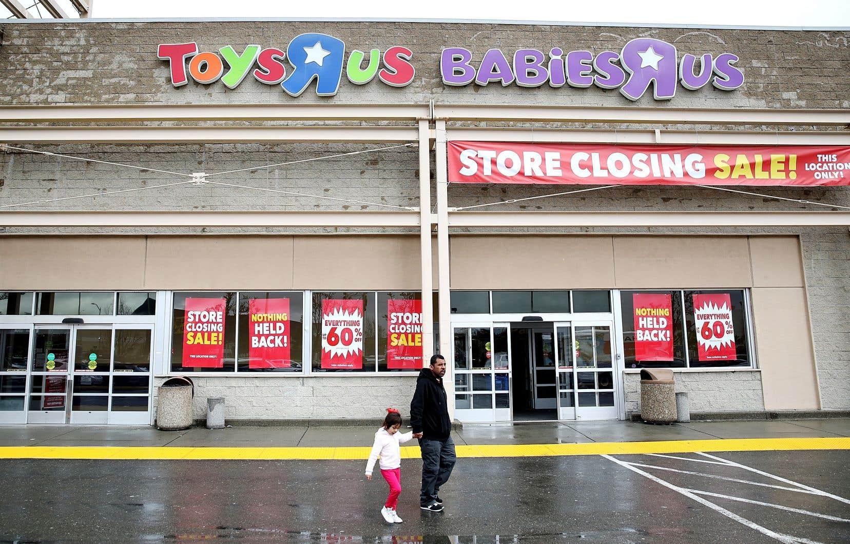 Mercredi, la compagnie américaine a confirmé à ses employés qu'elle envisageait de fermer chacun de ses quelque 740 magasins aux États-Unis, ce qui devrait entraîner l'abolition d'environ 30 000 emplois.