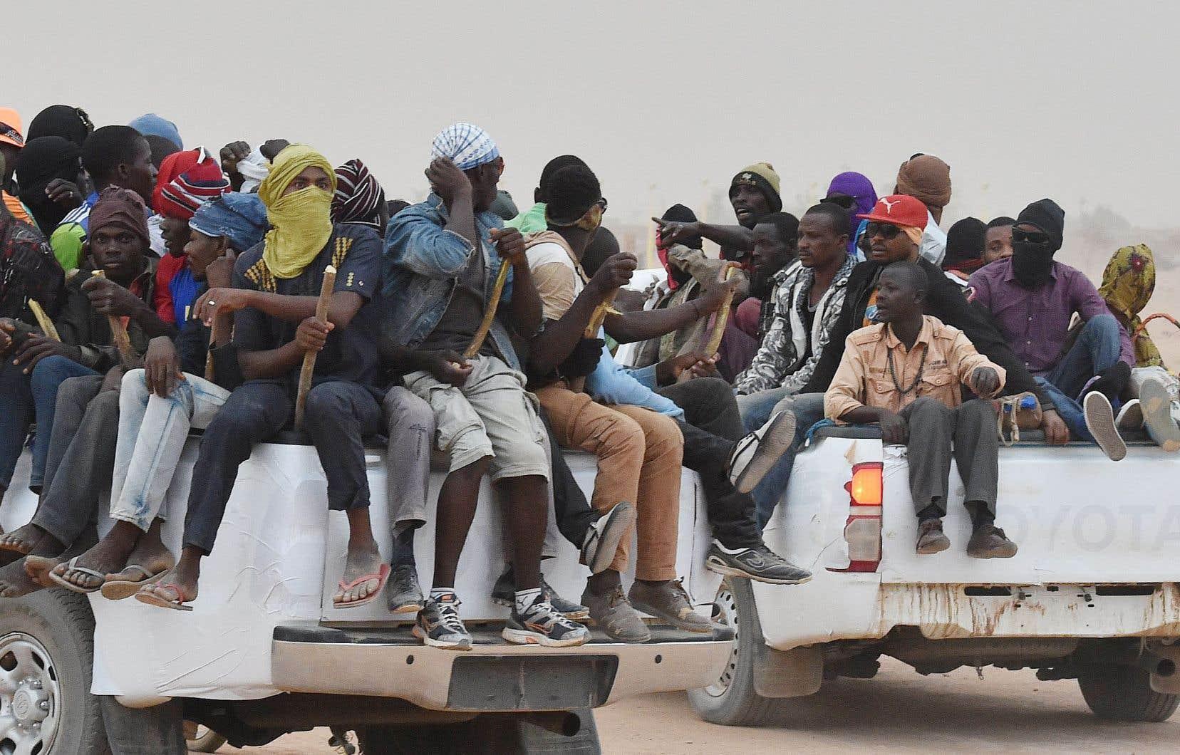 Des migrants sont conduits vers la Libye, à partir du Niger.
