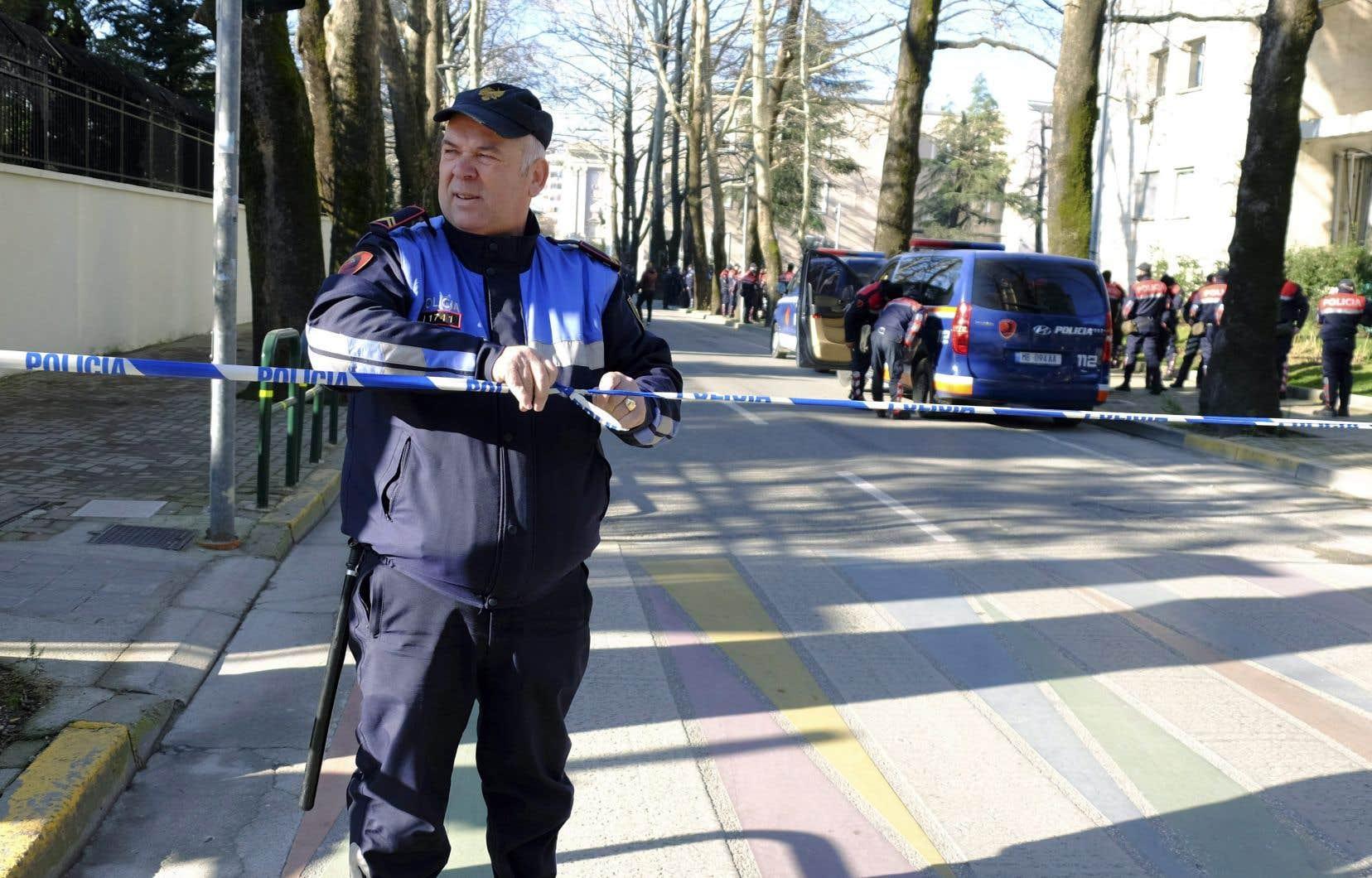 Parmi les 39 suspects arrêtés figurent quatre policiers.
