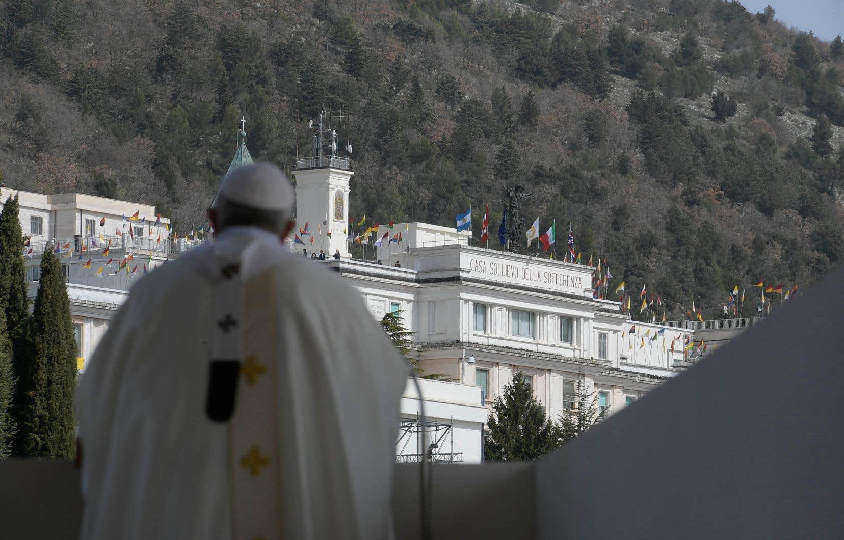 L'Église polonaise demeure fidèle à ses positions conservatrices contre lesquelles le pape François s'est souvent inscrit à faux.