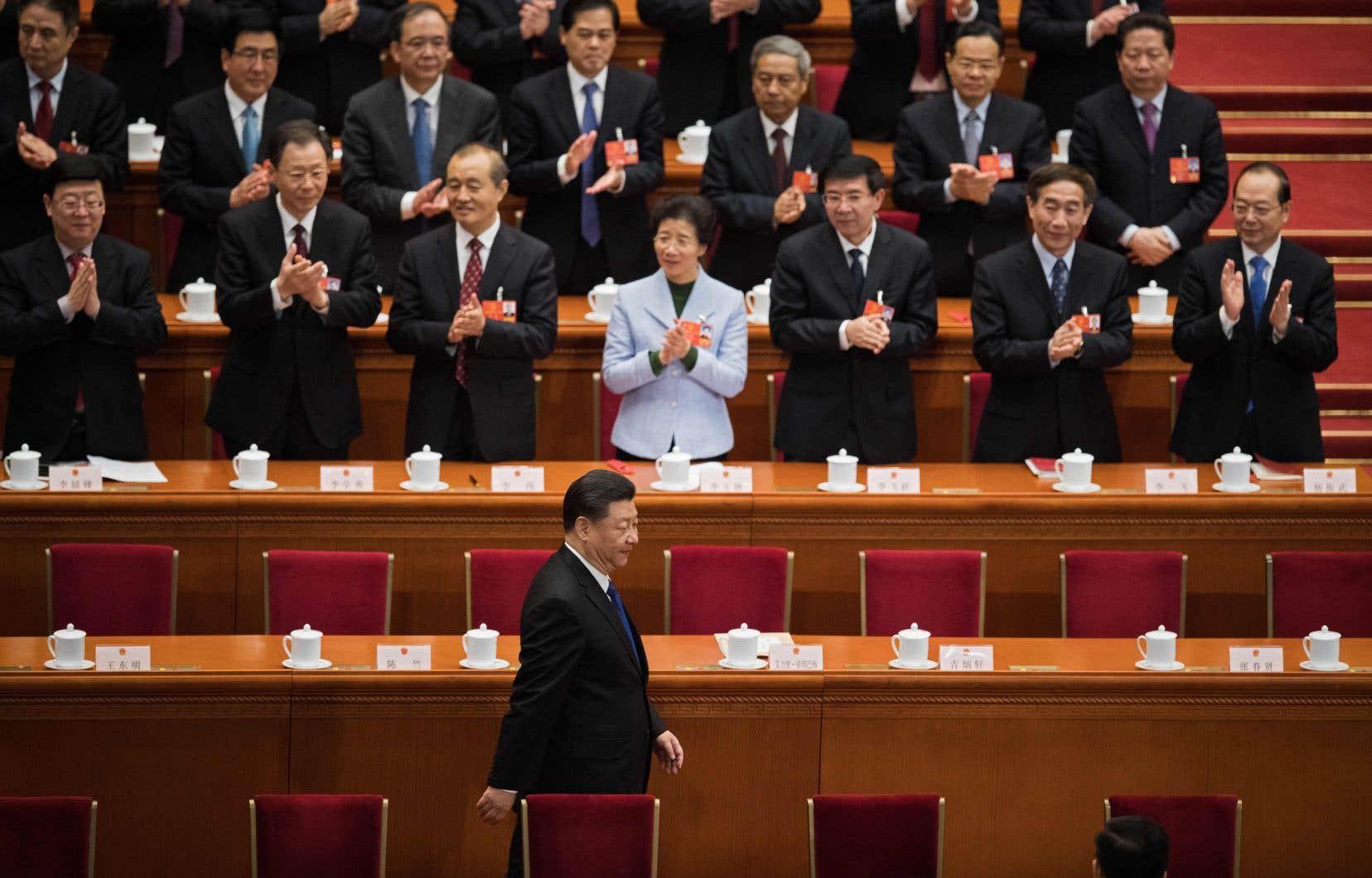 Le président chinois, Xi Jinping, a été réélu à l'unanimité par le Parlement pour un nouveau mandat de cinq ans à la tête du pays.