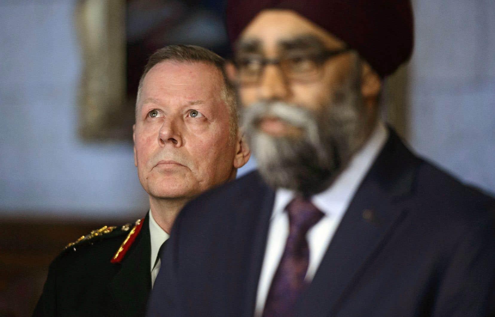 Le chef d'état-major de la Défense, le général Jonathan Vance, et le ministre de la Défense, Harjit Sajjan, ont confirmé l'envoi au Mali d'hélicoptères et de troupes au sol.