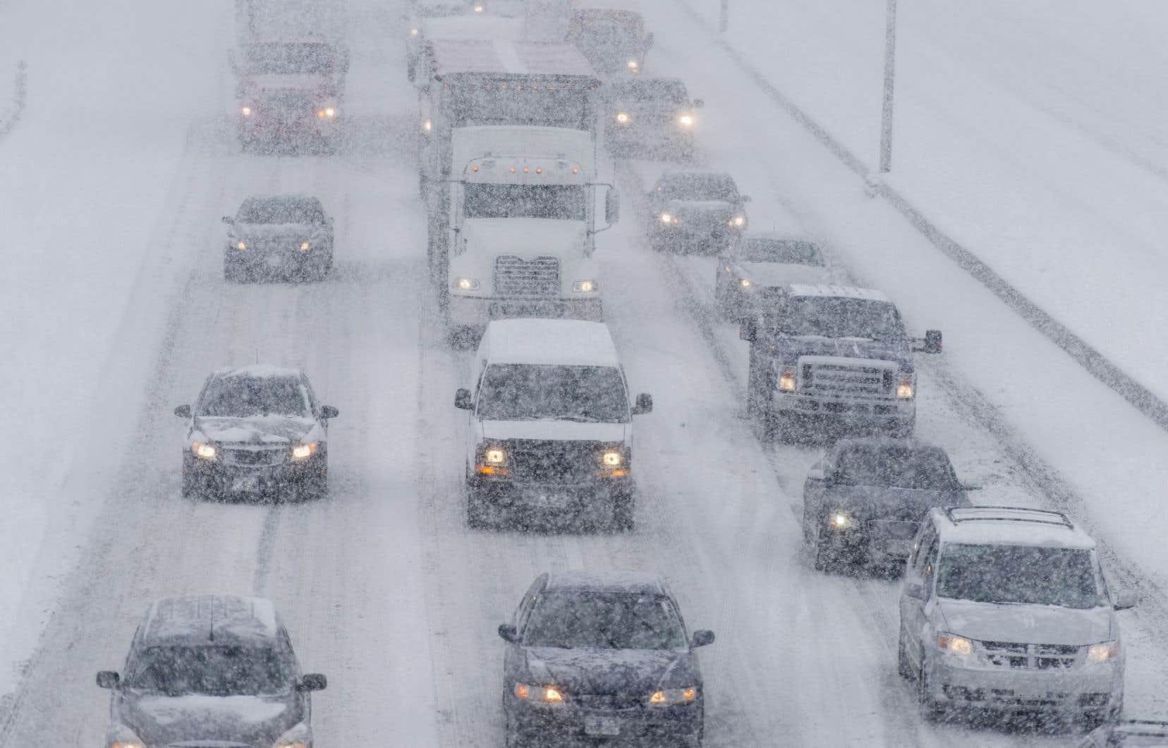 Lors de latempête de neige du 14mars 2017, plusieurs automobilistes se sont retrouvés bloqués par la neige.