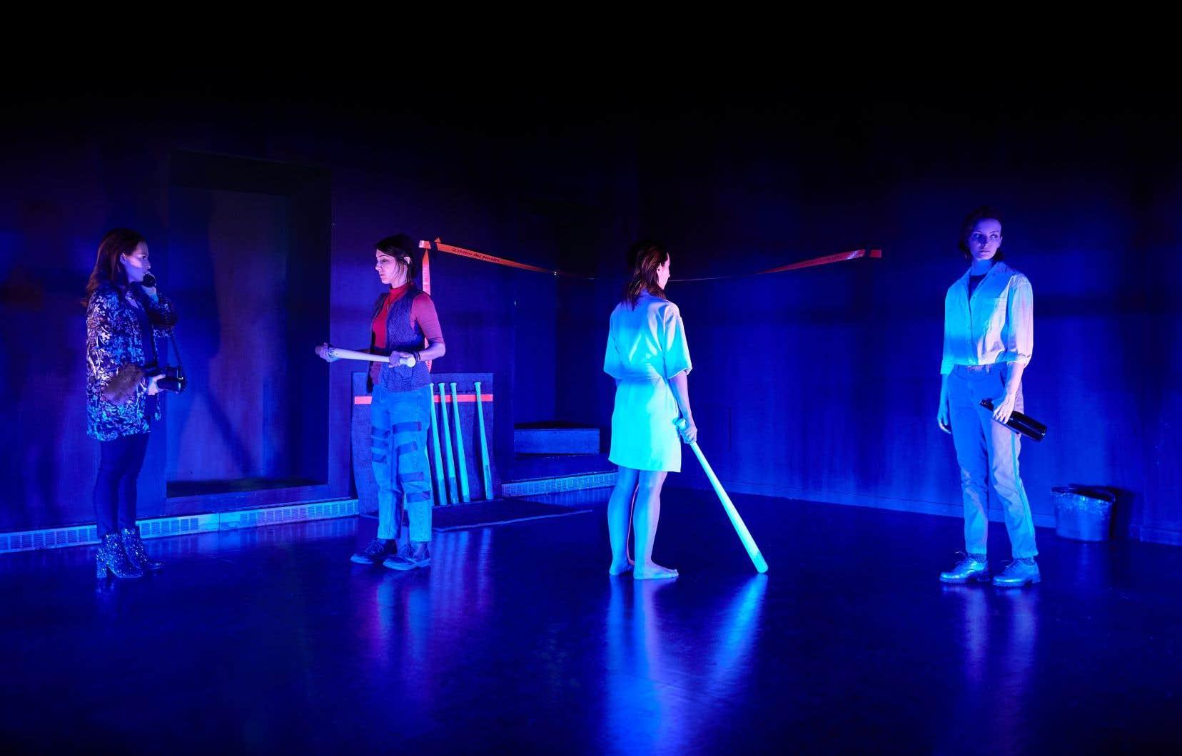 La pièce de théâtre est un vibrant hommage à l'art, à commencer par celui des femmes.