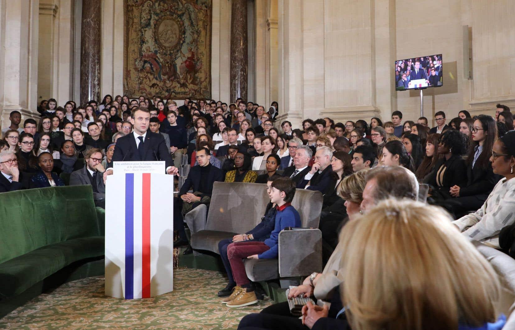 Le président français, Emmanuel Macron, a dévoilé sa stratégie de promotion du français dans le cadre de la journée internationale de la Francophonie devant les membres de l'Académie française.