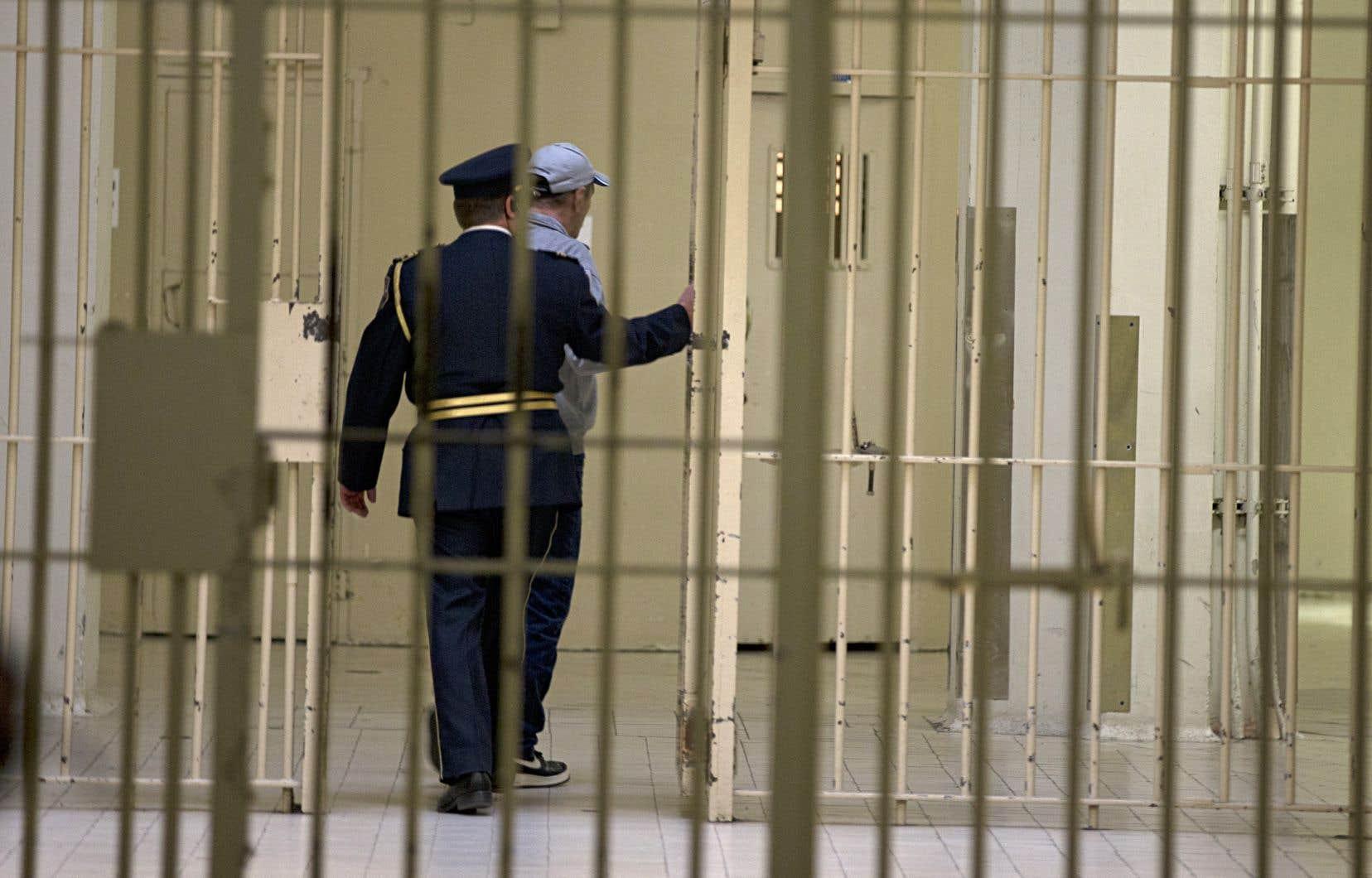 La situation ne s'améliore pas dans les prisons, indique Marie Rinfret, la protectrice du citoyen.