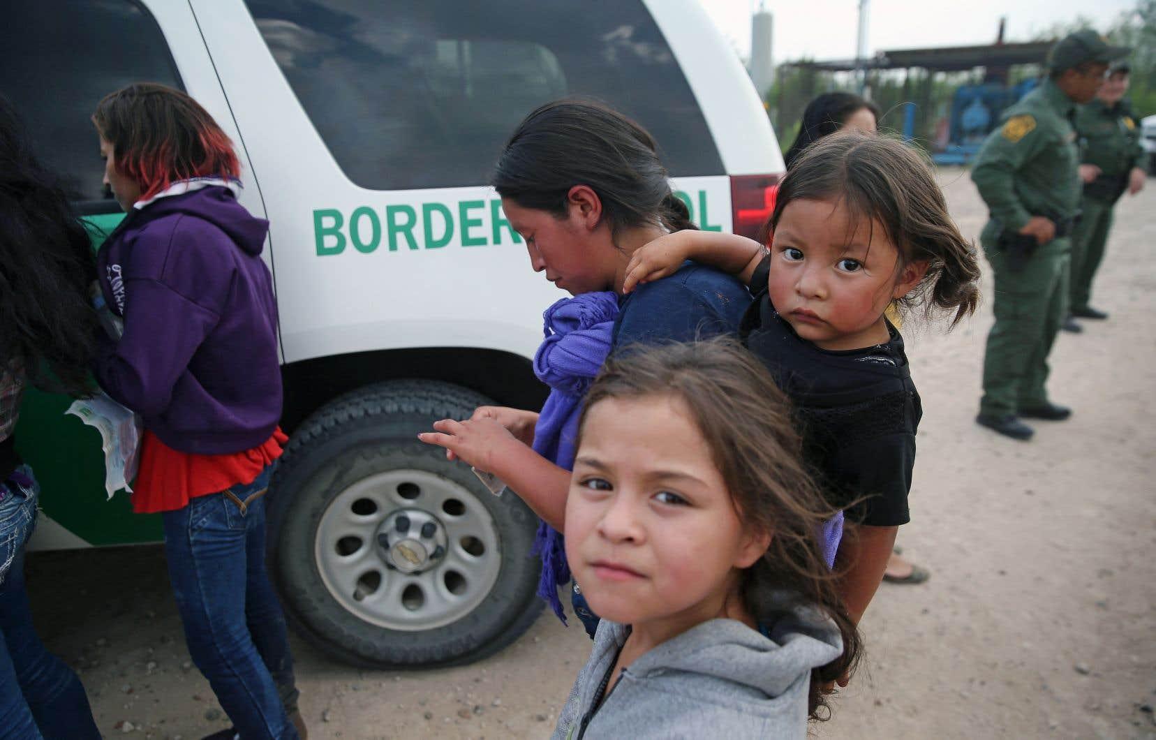 Si le gouvernement Trump va de l'avant avec une autre vague d'expulsions massives, qui toucherait des milliers de migrants mineurs issus du triangle Nord, beaucoup d'observateurs craignent que ceux-ci viennent grossir les rangs de gangs criminels ou s'exposent à des exactions violentes.