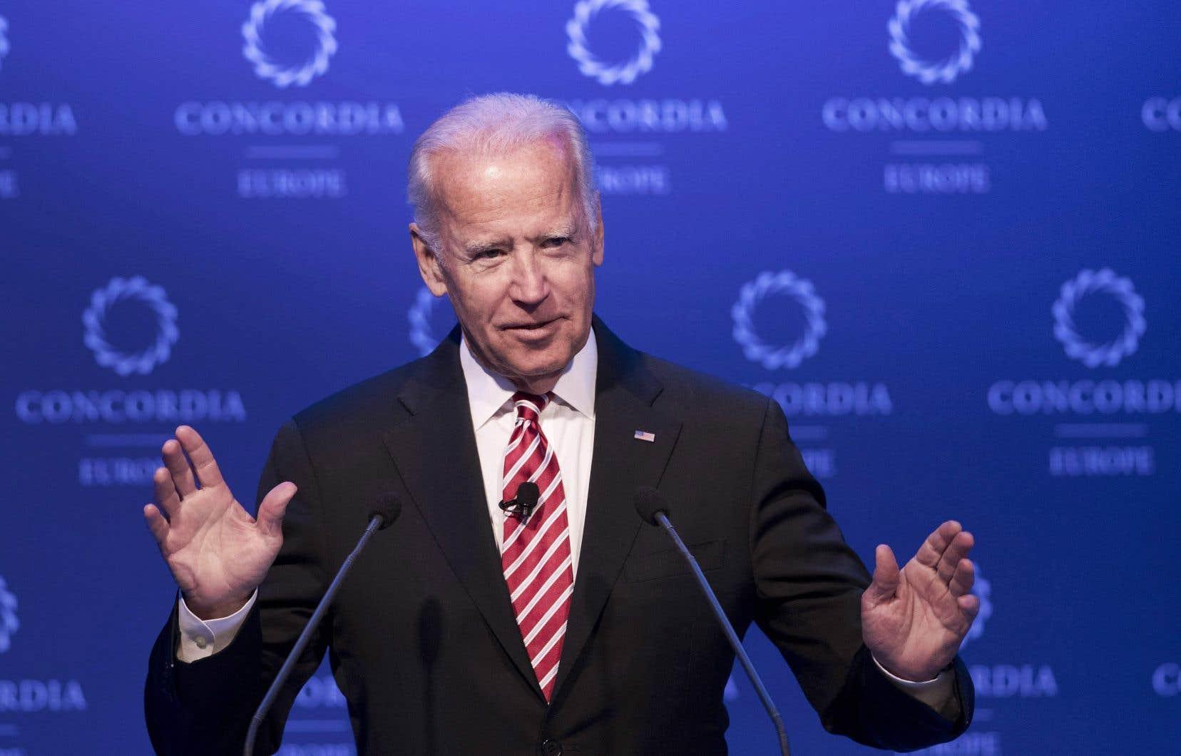 Donald Trump insulte Joe Biden en le disant faible