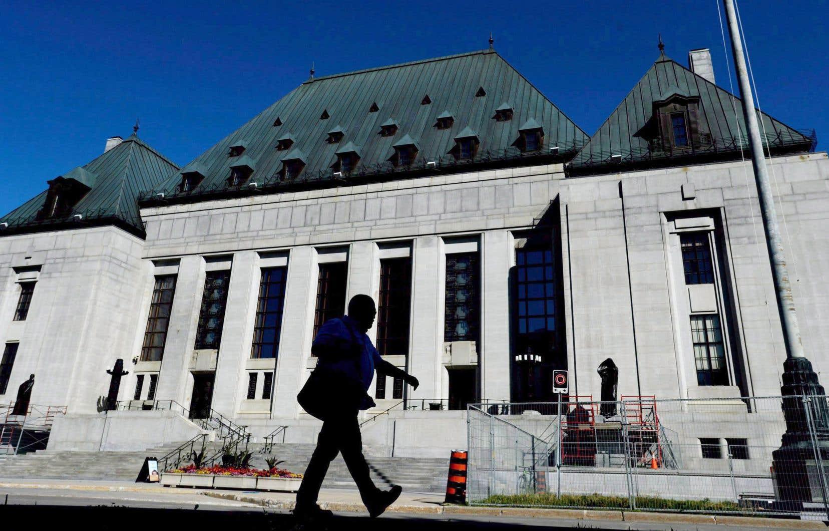 La Cour suprême a jugé en 2011 que le projet était inconstitutionnel, mais ses juges avaient ouvert une fenêtre pour Ottawa en évoquant la possibilité d'un système «coopératif».