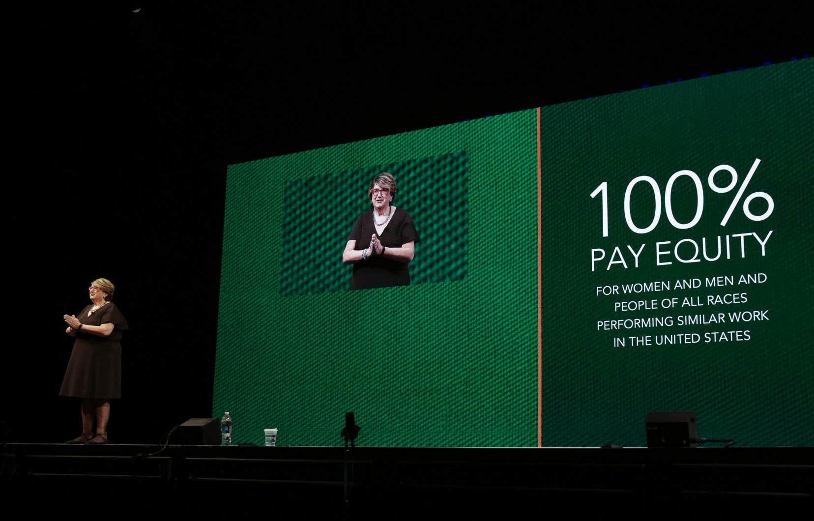 La vice-présidente, Lucy Helm, a expliqué qu'on pourrait devoir attendre jusqu'en 2119 avant d'effacer l'écart salarial dans toute l'économie américaine.