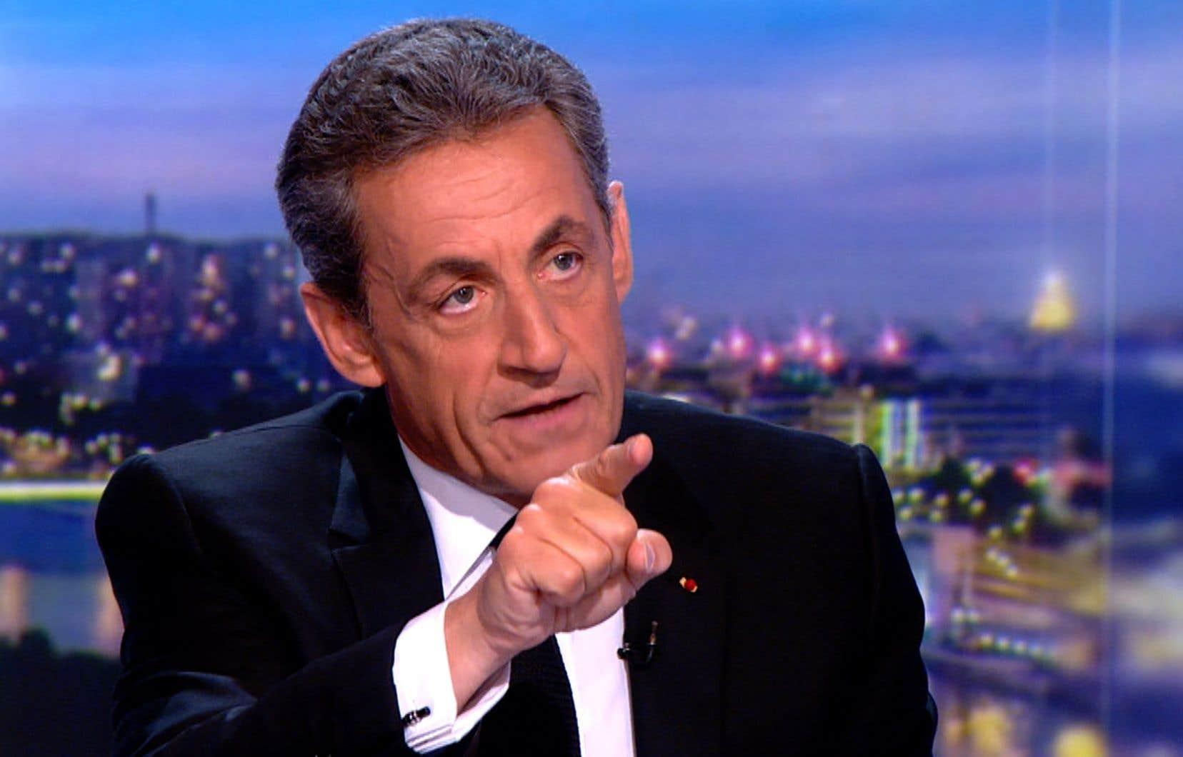 «Je dois aux Français la vérité: je n'ai jamais trahi leur confiance», a déclaré l'ex-chef de l'État au journal de 20heures sur la chaîne de télévision TF1.