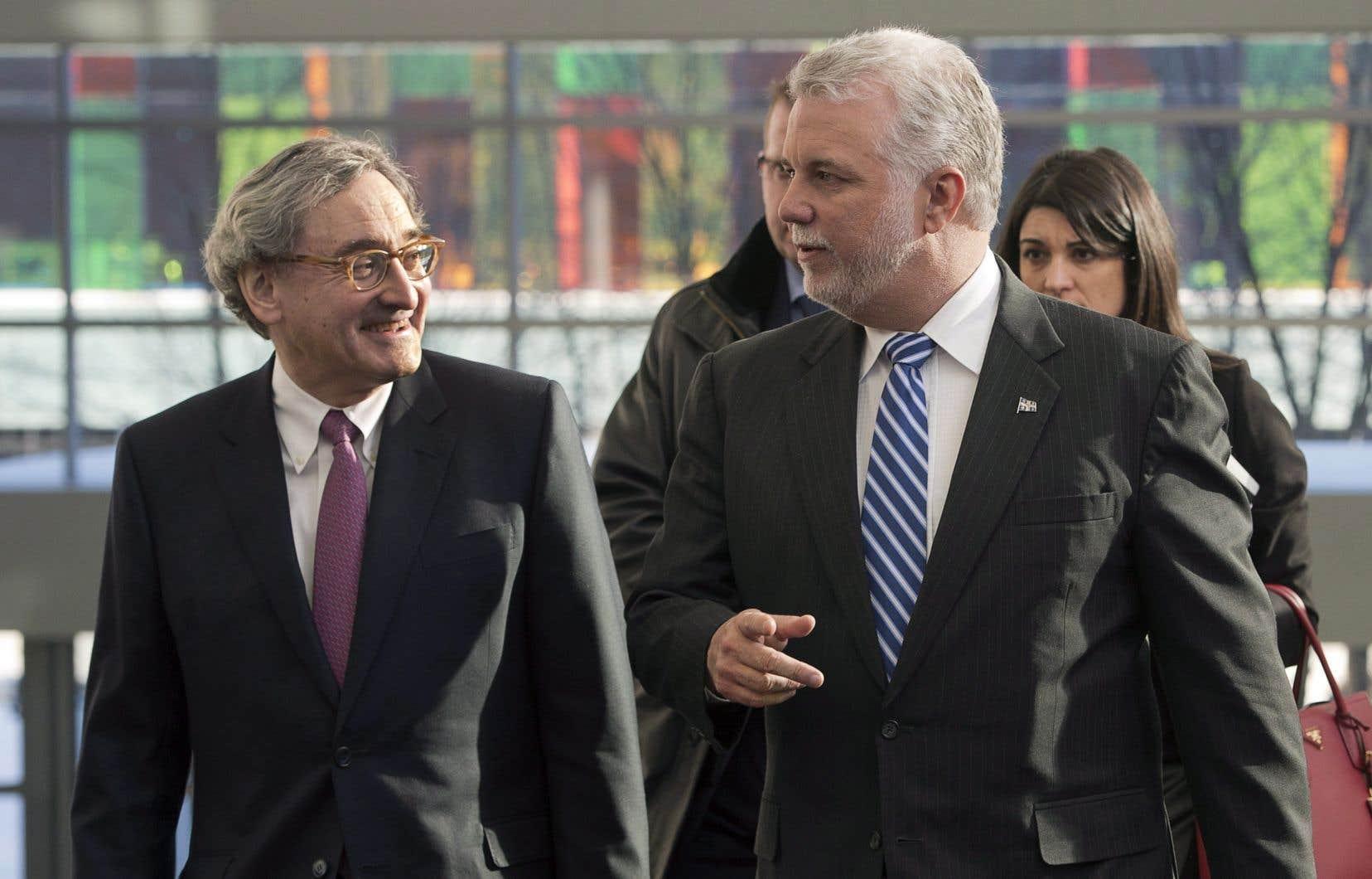 Le premier ministre Philippe Couillard etle président et chef de la direction de la Caisse de dépôt et placement du Québec, Michael Sabia