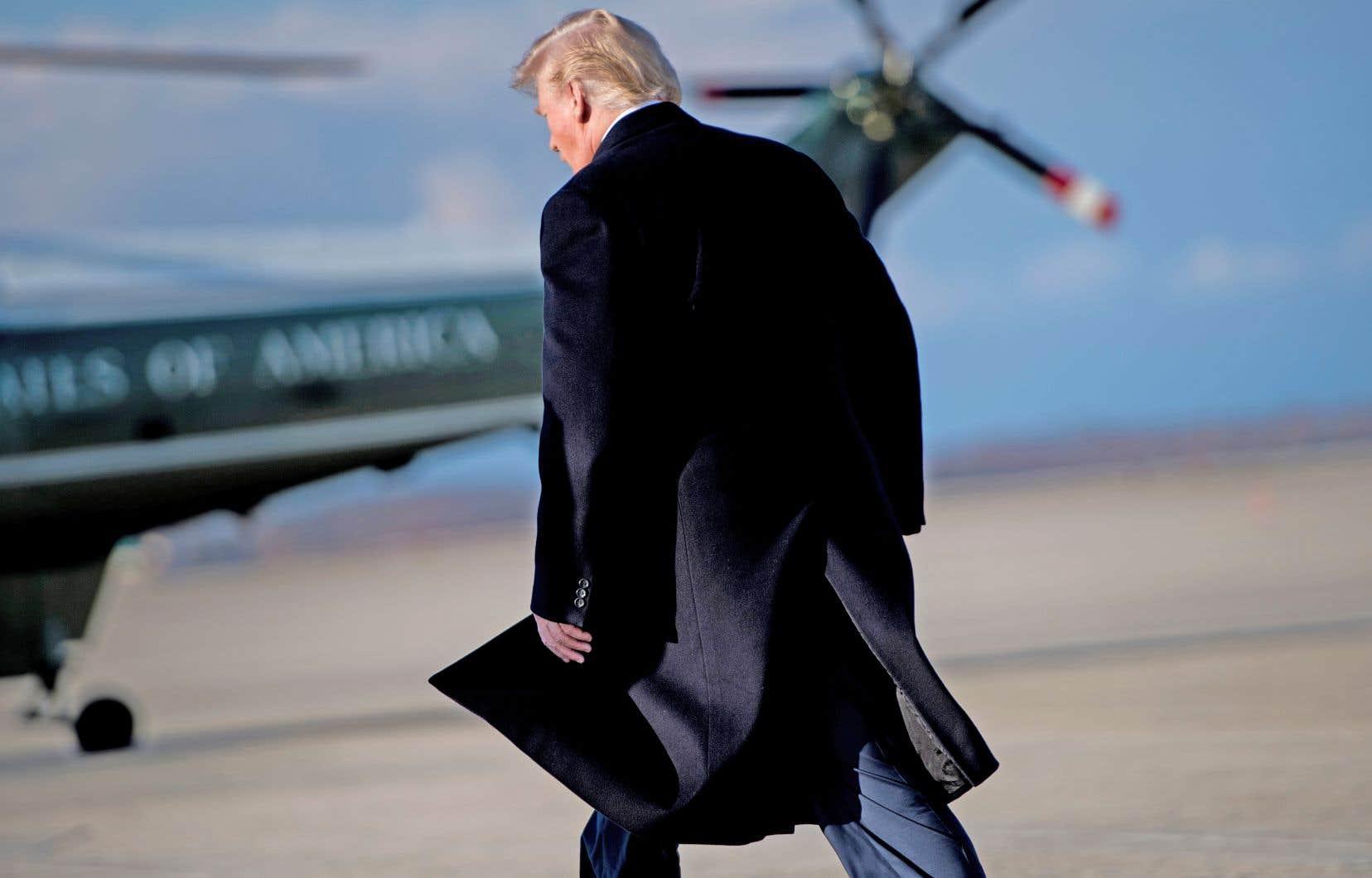 Trump se trouve un peu plus dans l'embarras après la sortie publique de Stormy Daniels.