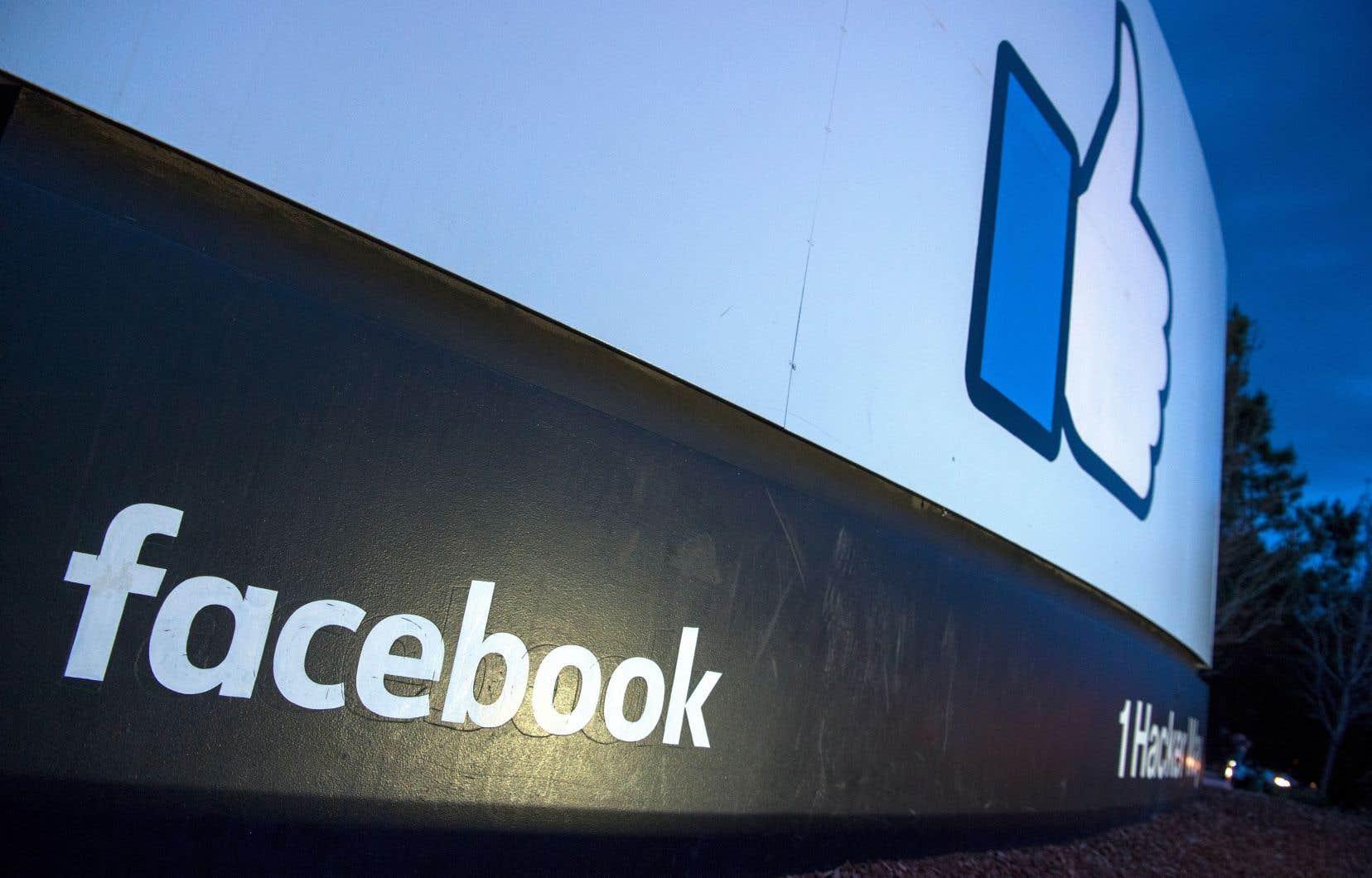 Depuis l'éclatement d'une polémique sur l'utilisation indue de données sur le réseau social par la société Cambridge Analytica, le cours a perdu 13,5% de capitalisation boursière.