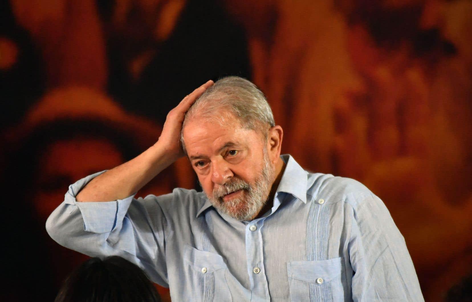 Lula pourrait — en principe — être déclaré inéligible après son revers en justice lundi devant un tribunal de deuxième instance.