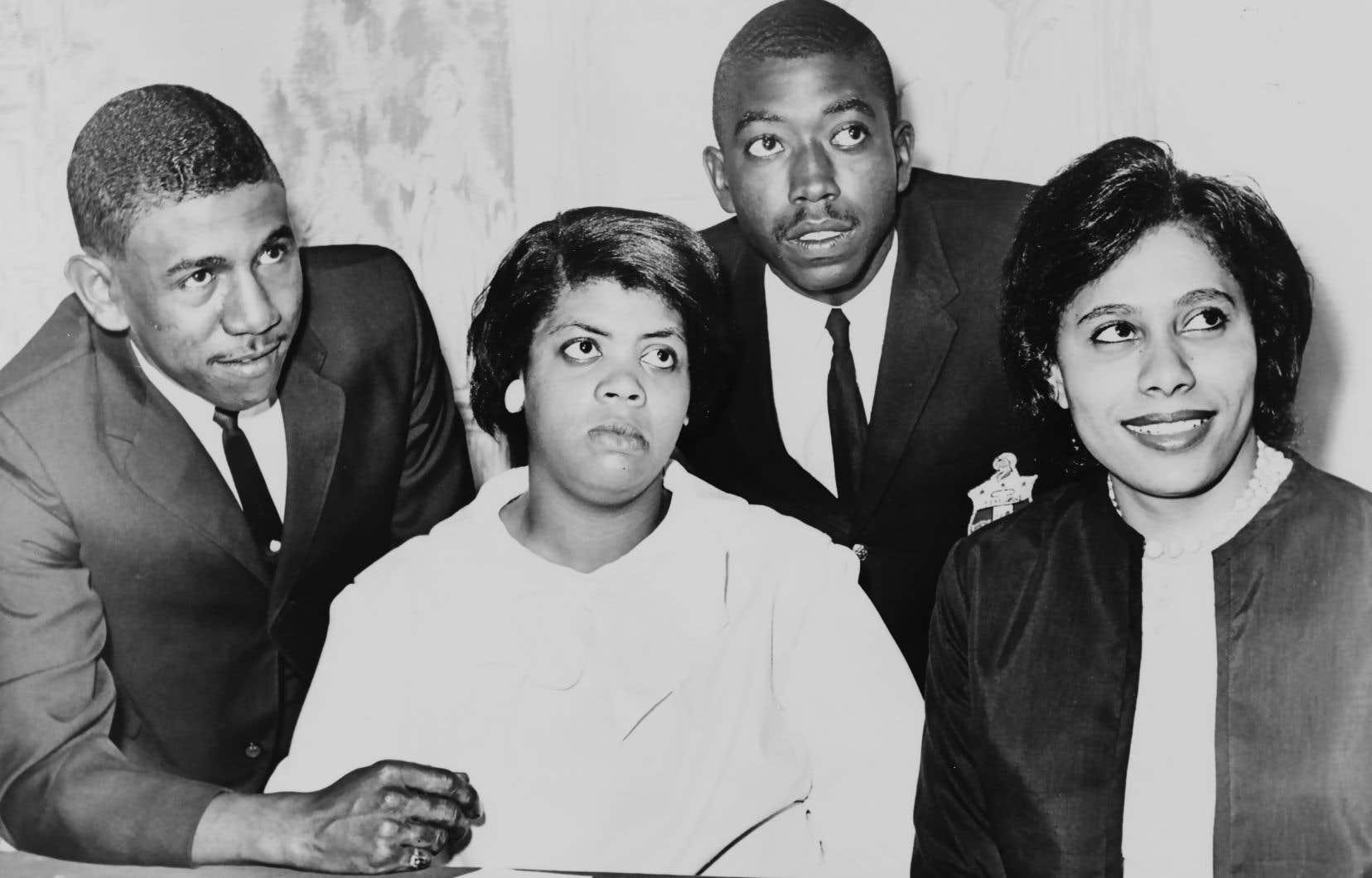 Linda Brown (au centre), en 1964